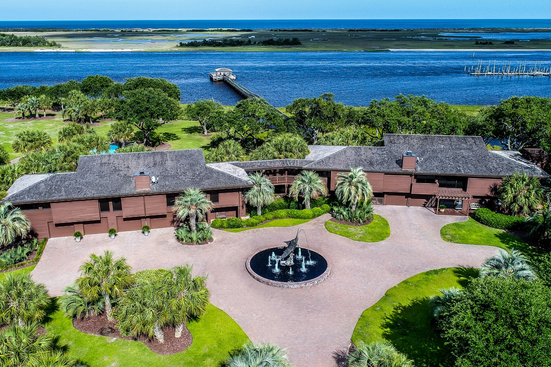 Single Family Home for Sale at The Sea Lilly - An Extraordinarily Private Estate 7422 Sea Lilly Lane Wilmington, North Carolina 28409 United States