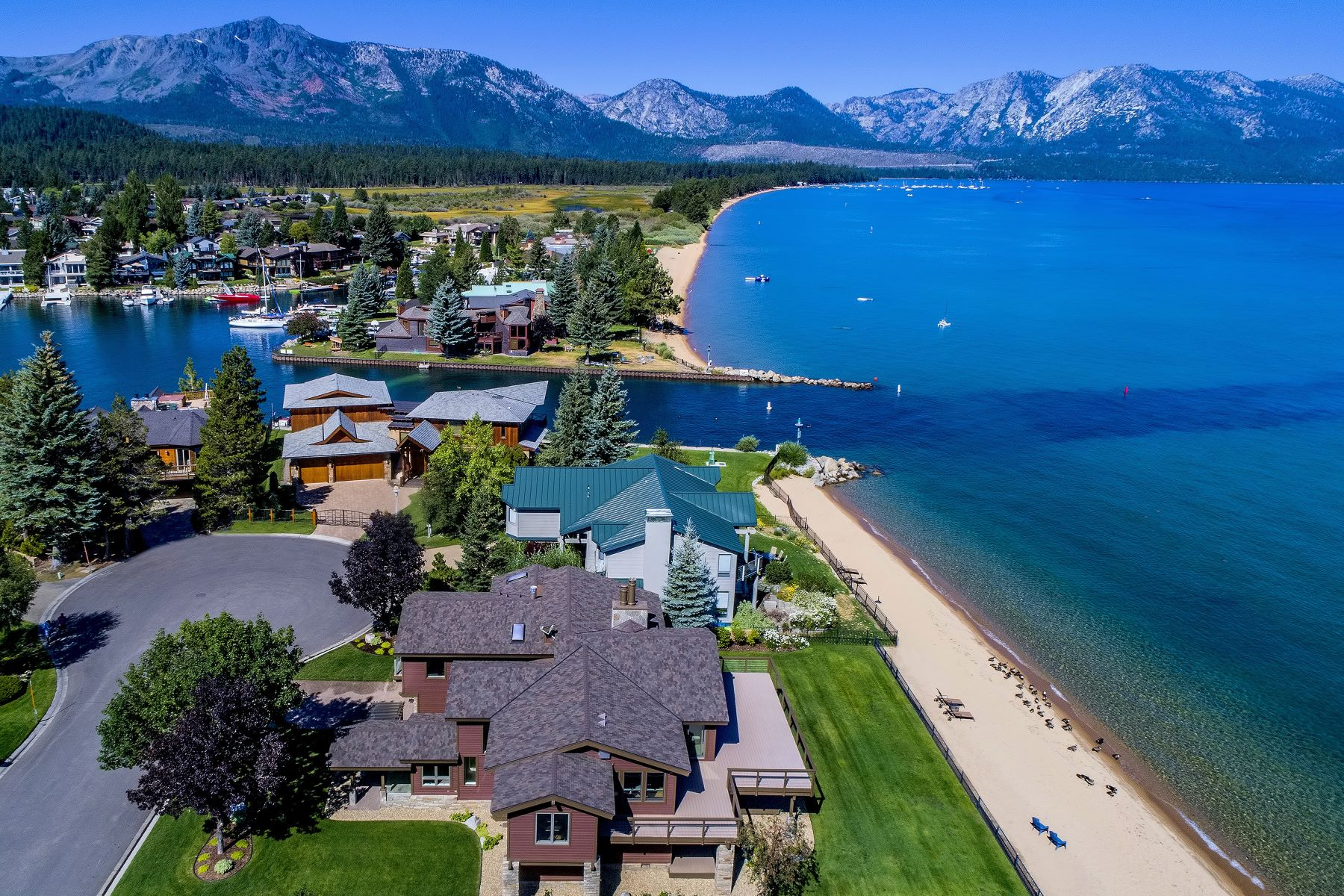 Additional photo for property listing at Lakefront Living 225 Beach Drive South Lake Tahoe, California 96150 United States