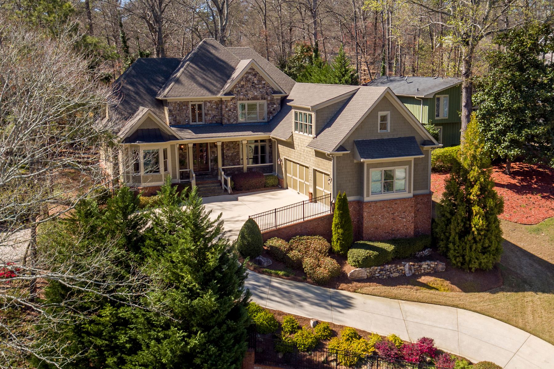 Villa per Vendita alle ore Private Captivating Home In Top East Cobb School District 3542 Clubland Drive Marietta, Georgia, 30068 Stati Uniti