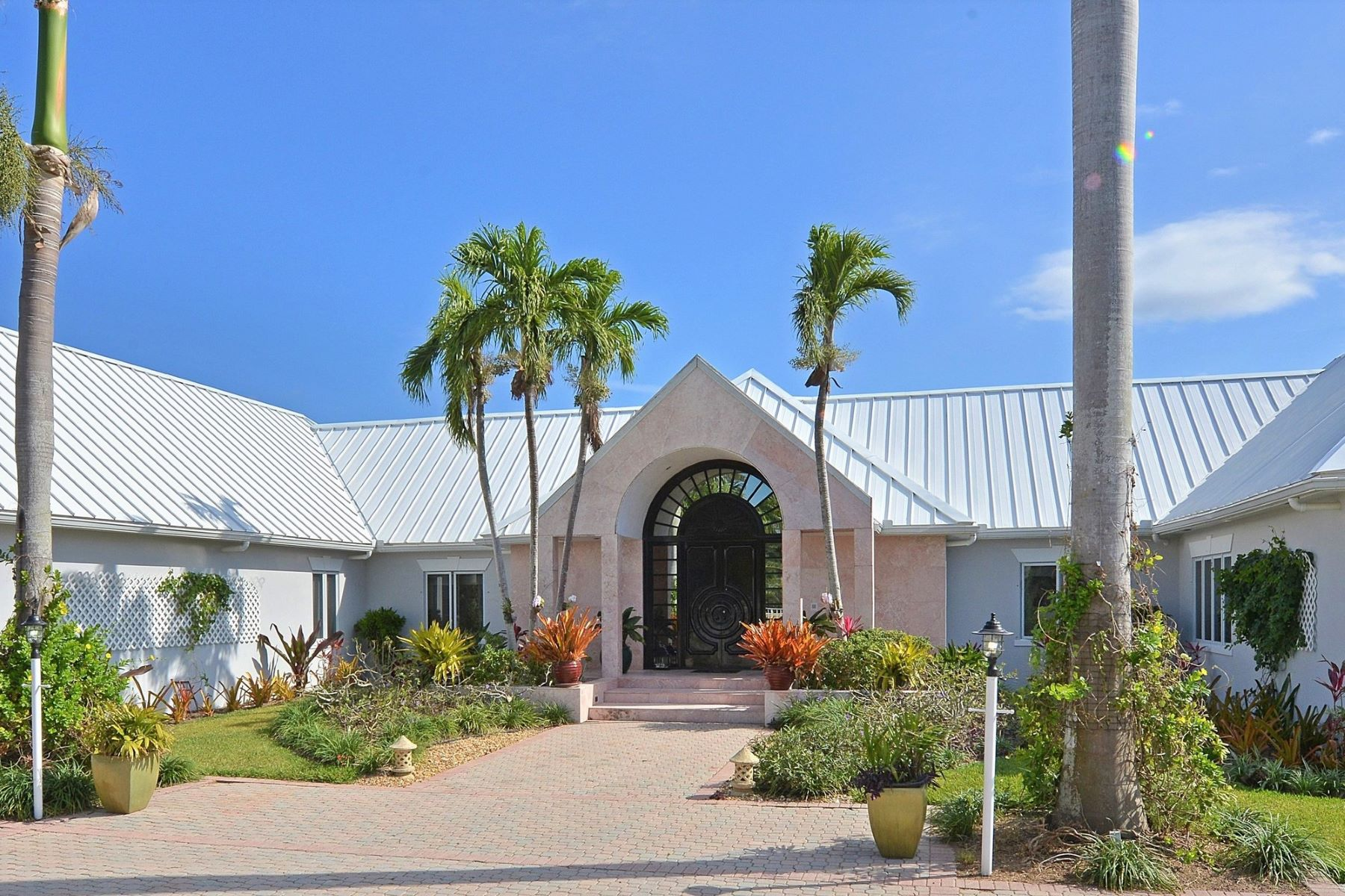 Additional photo for property listing at Wild Orchid Lyford Cay, Nassau And Paradise Island Bahamas