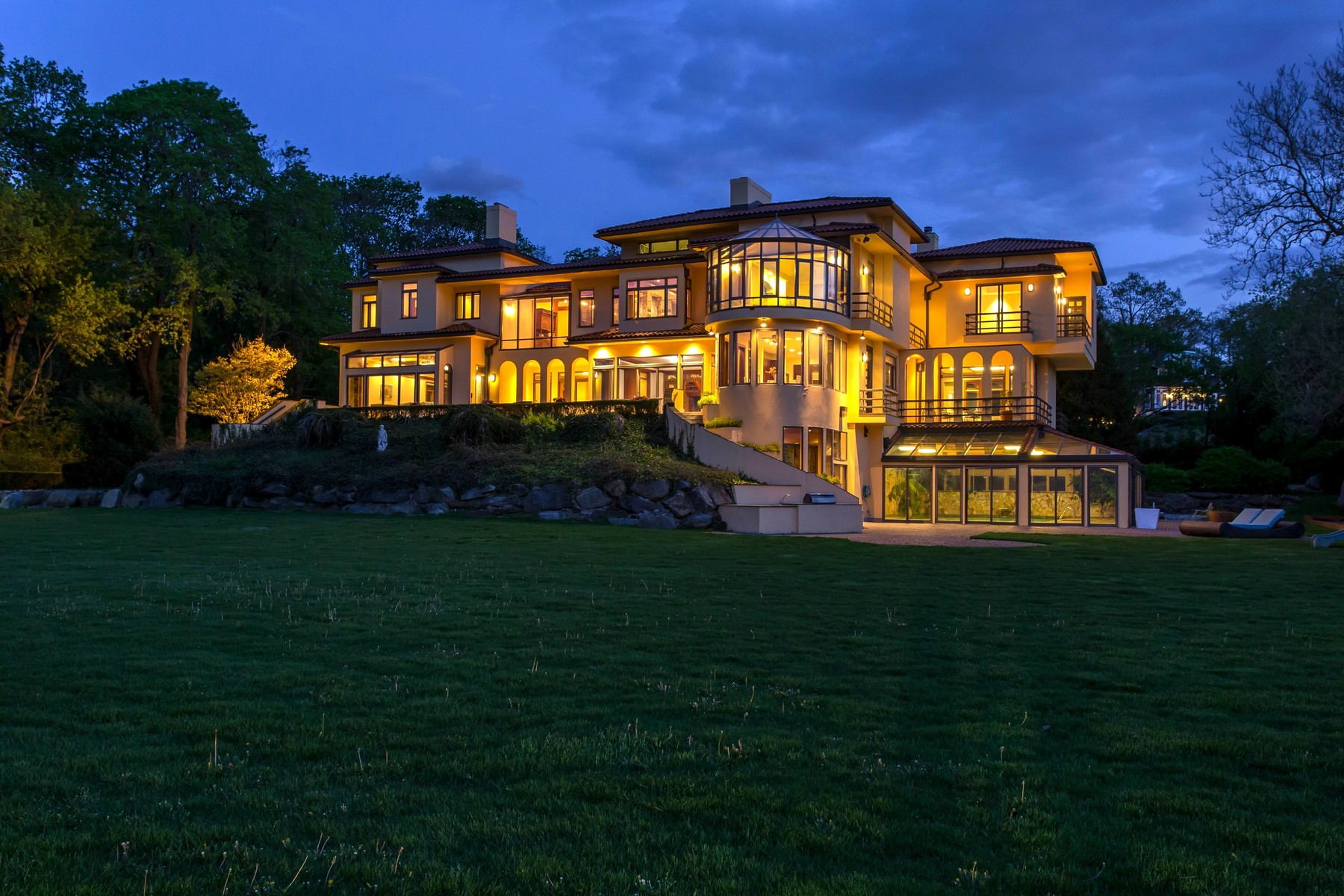 Single Family Homes för Försäljning vid 43 Sterling Ln , Sands Point, NY 11050 Sands Point, New York 11050 Förenta staterna