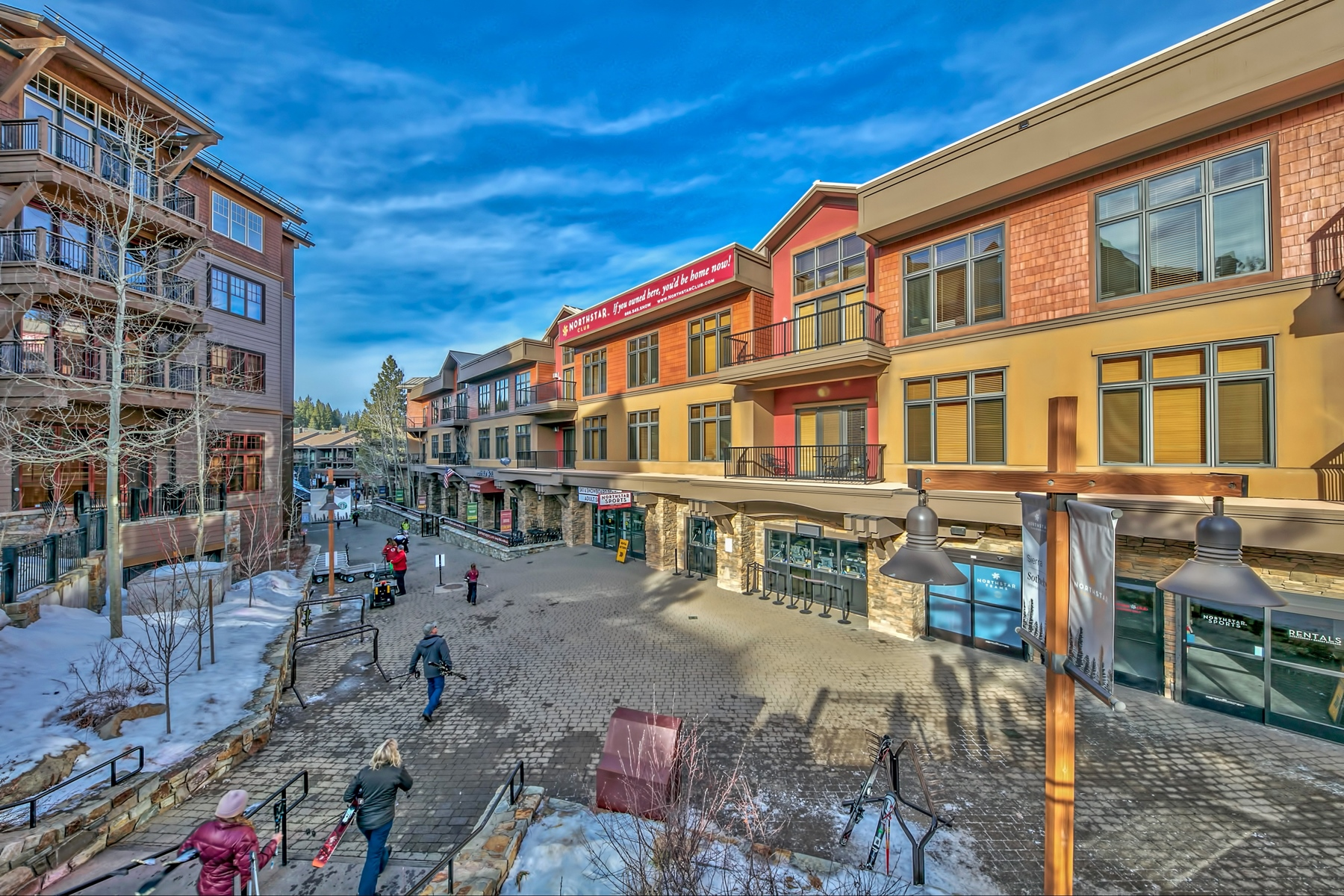 Fractional Ownership Properties por un Venta en 2100 W North Village Drive #303/#7, Truckee CA 96161 2100 W North Village Drive #303/#7 Truckee, California 96161 Estados Unidos
