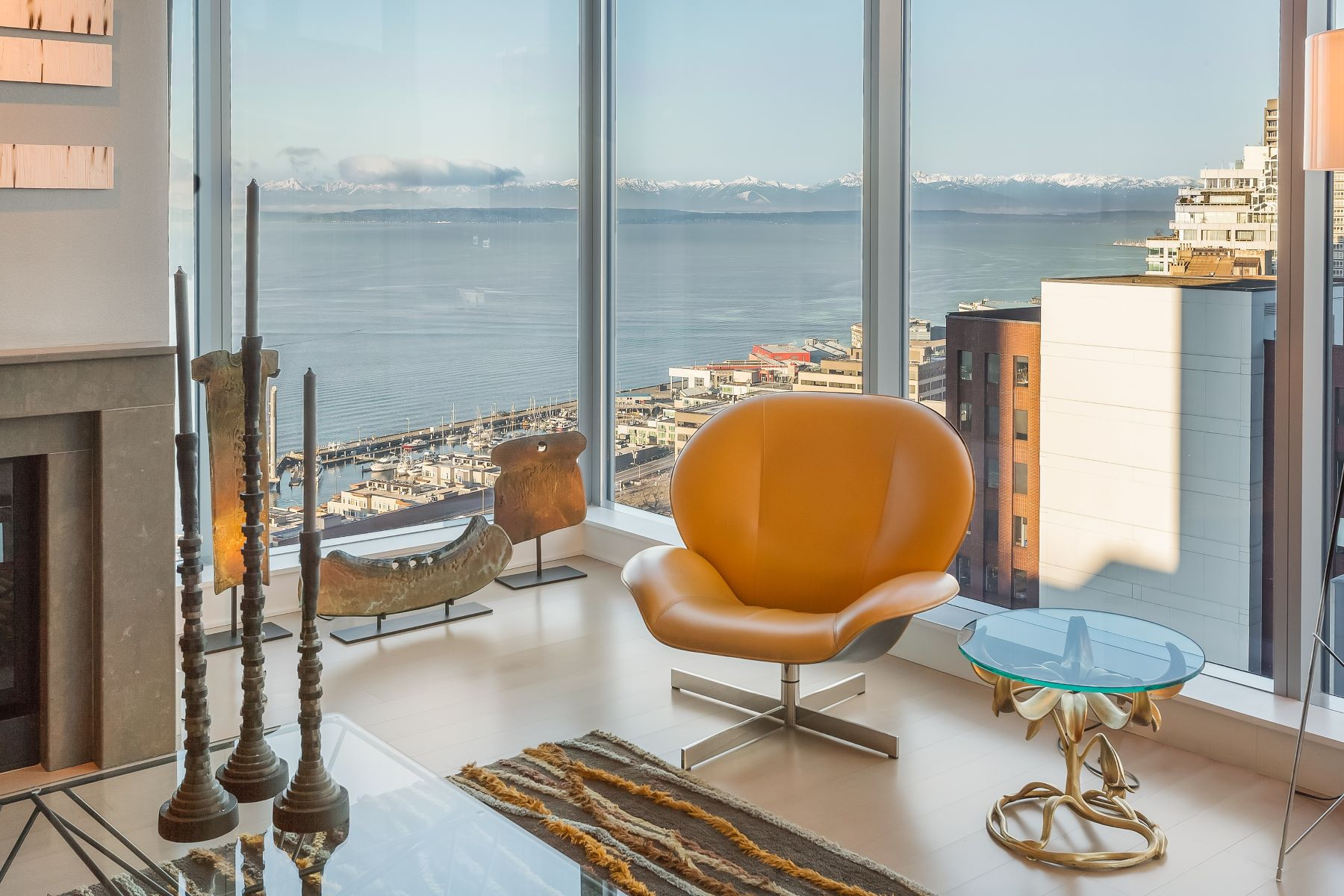 Condominium for Sale at Spectacular Residence In The of Pike Place Market 1521 2nd Ave #1901 Downtown, Seattle, Washington, 98101 United States