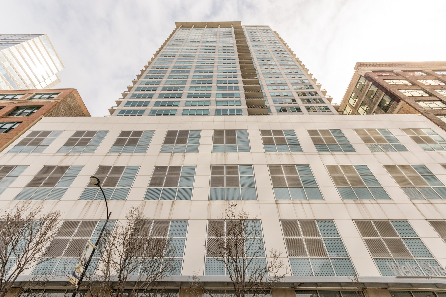 共管物業 為 出售 在 Stunning City and Lake Views! 701 S Wells Street Unit 2002, Loop, Chicago, 伊利諾斯州, 60607 美國