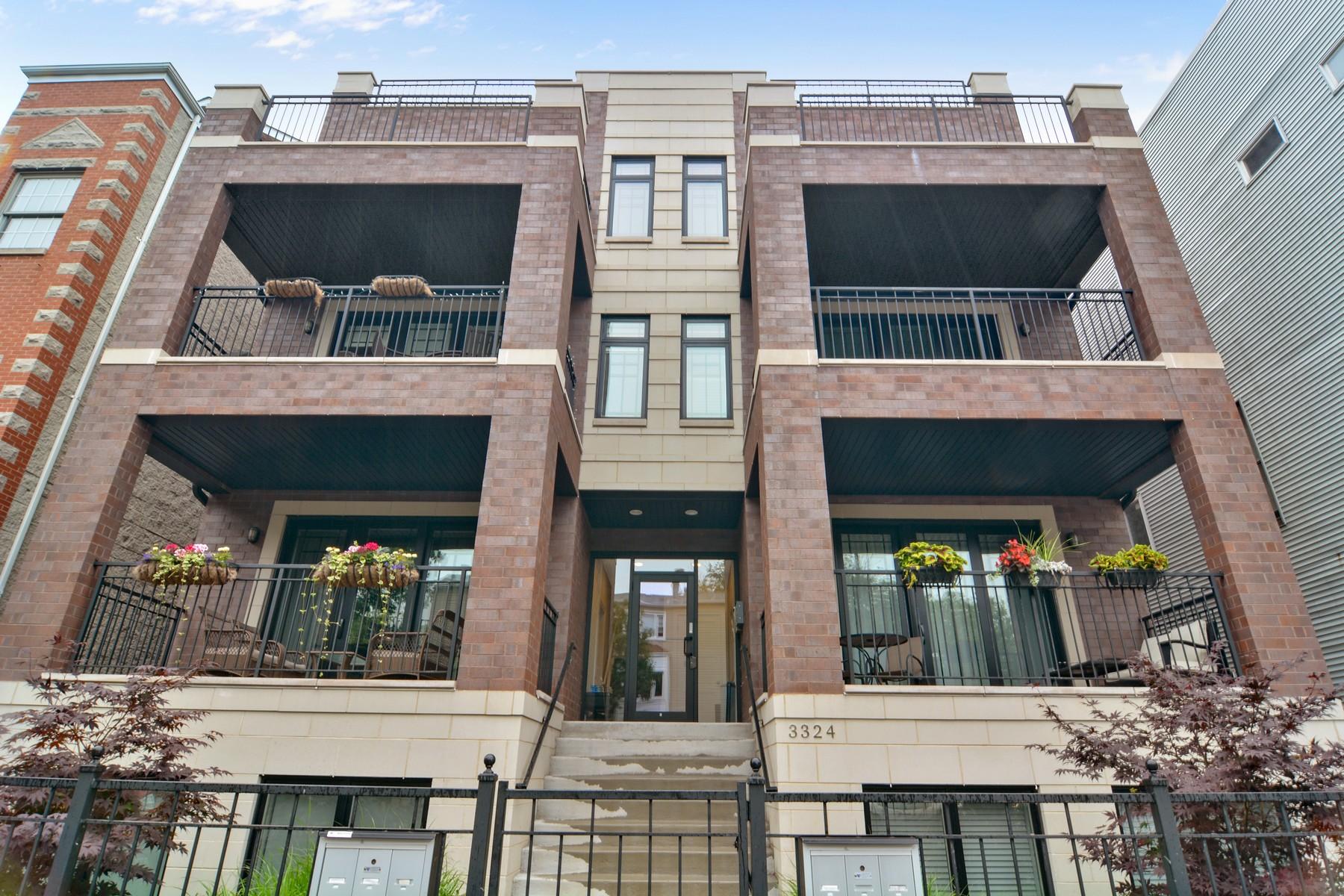 共管式独立产权公寓 为 销售 在 Prime Roscoe Village Duplex 3324 N Damen Avenue Unit 3N North Center, 芝加哥, 伊利诺斯州, 60618 美国
