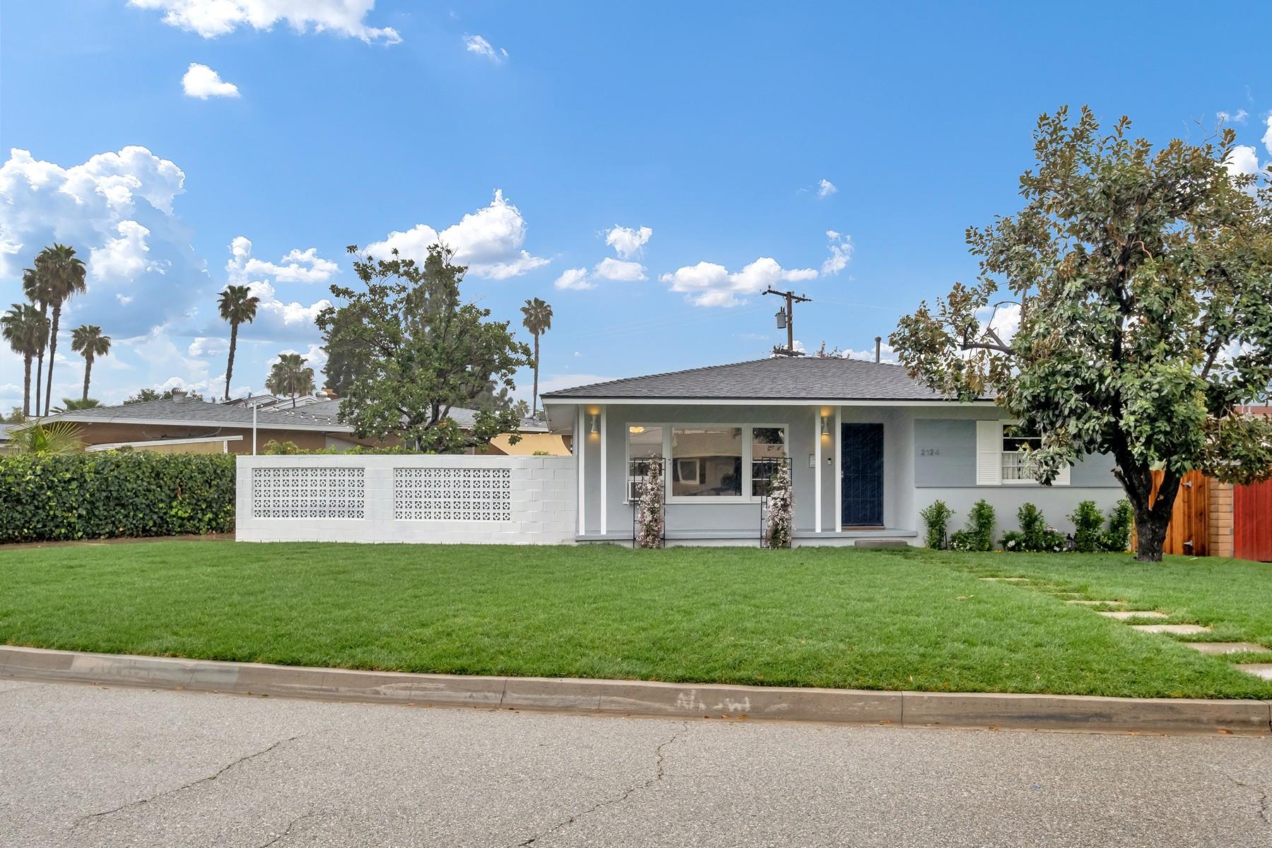 Single Family Homes para Venda às 2124 E. Mardina Street, West Covina 91791 2124 Mardina Street, West Covina, Califórnia 91791 Estados Unidos