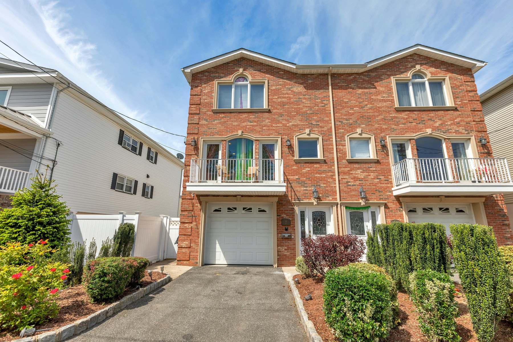 Single Family Homes for Sale at Seacaucus Commons 4 Kiesewetter Ln 1 Secaucus, New Jersey 07094 United States