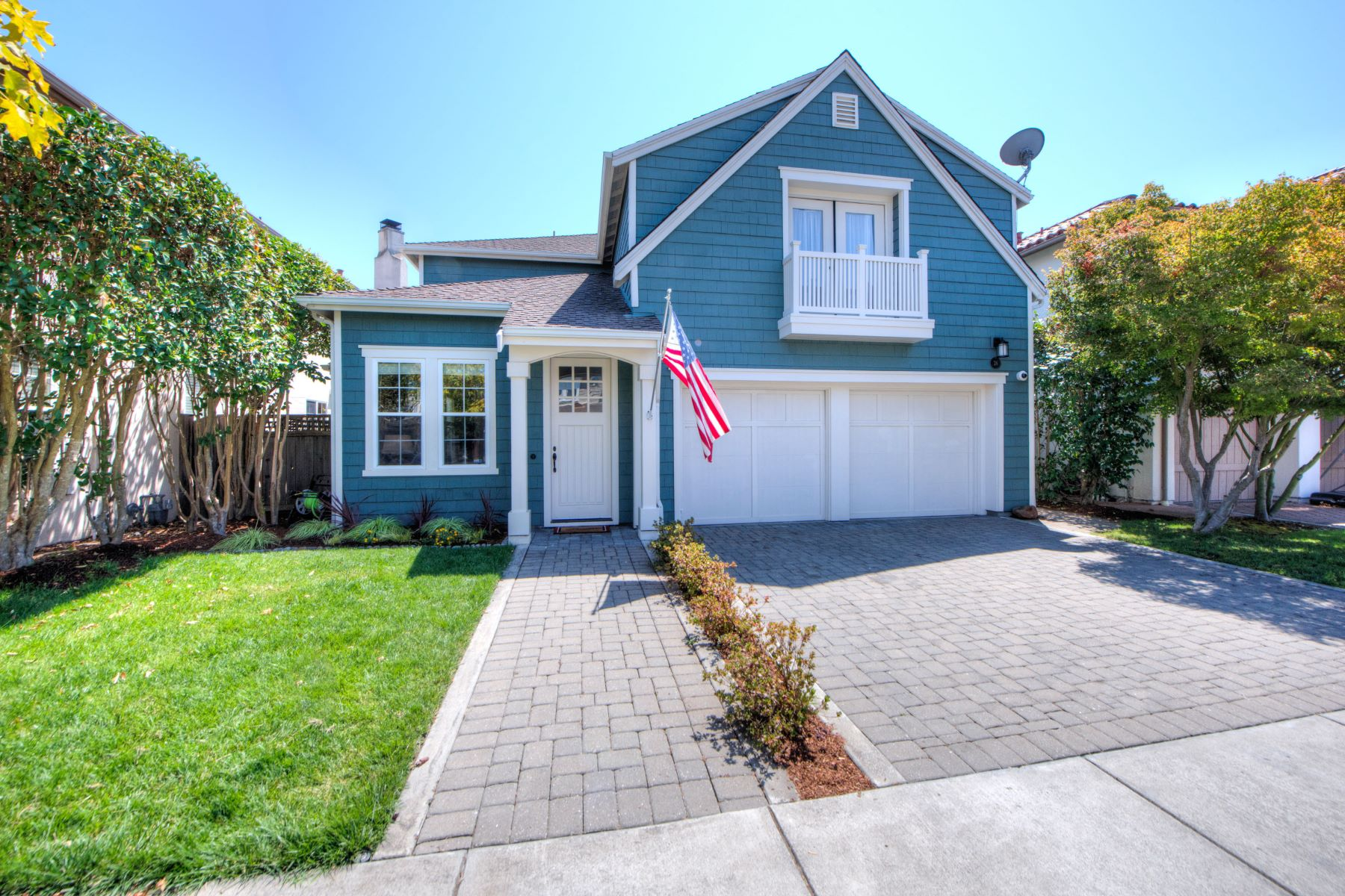 Single Family Home for Sale at Coastal Charm with 5 Bedrooms! 26 Woodbridge Way Novato, California 94949 United States