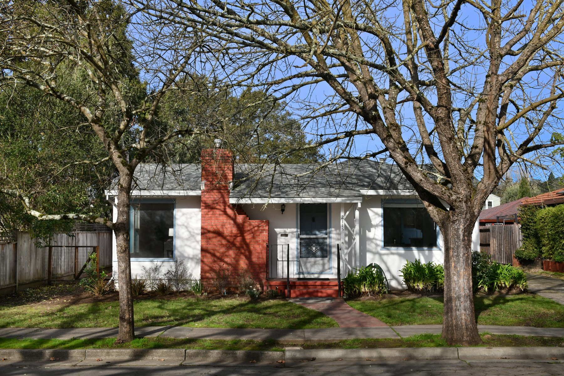 Single Family Homes for Sale at Light & Bright Vintage Bungalow 2115 E. Haven Drive Santa Rosa, California 95404 United States
