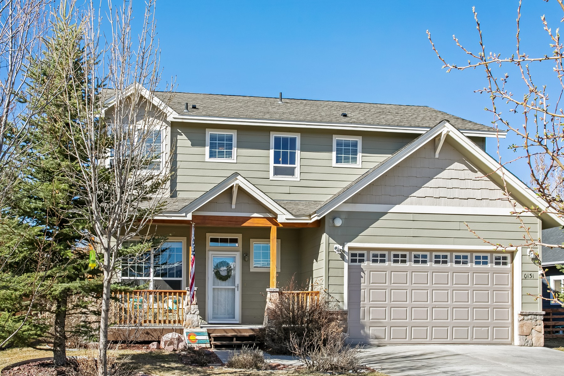Single Family Homes for Sale at Live your best life in a spacious, charming and updated single-family residence 131 Cochise Drive, Gypsum, Colorado 81637 United States