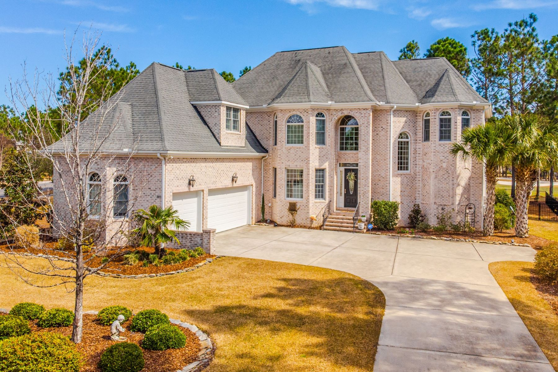Single Family Homes for Sale at A Truly Exquisite Home 3871 Ridge Crest Drive Southport, North Carolina 28461 United States