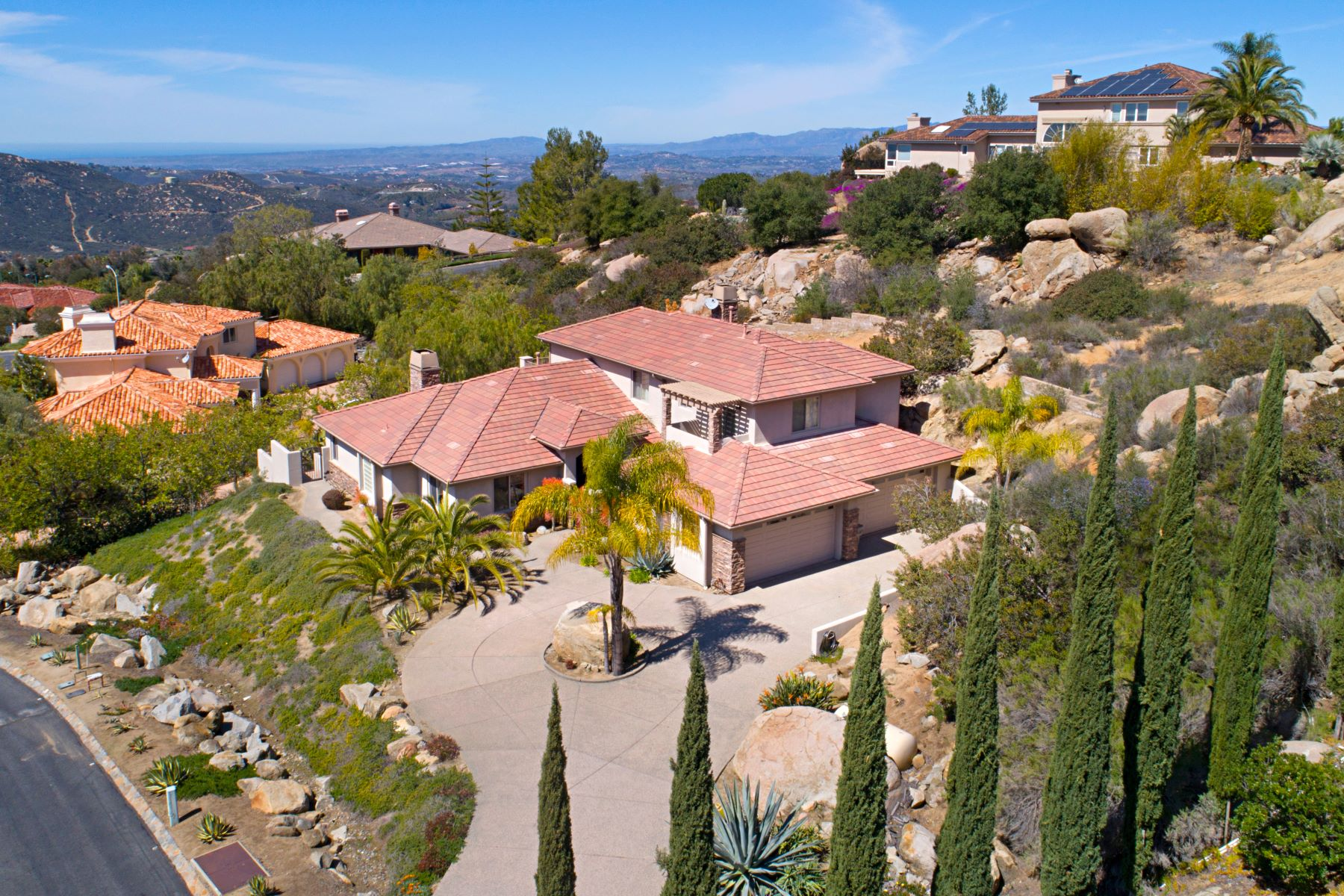 Single Family Home for Active at 9734 Little Canyon Ln 9734 Little Canyon Ln Escondido, California 92026 United States