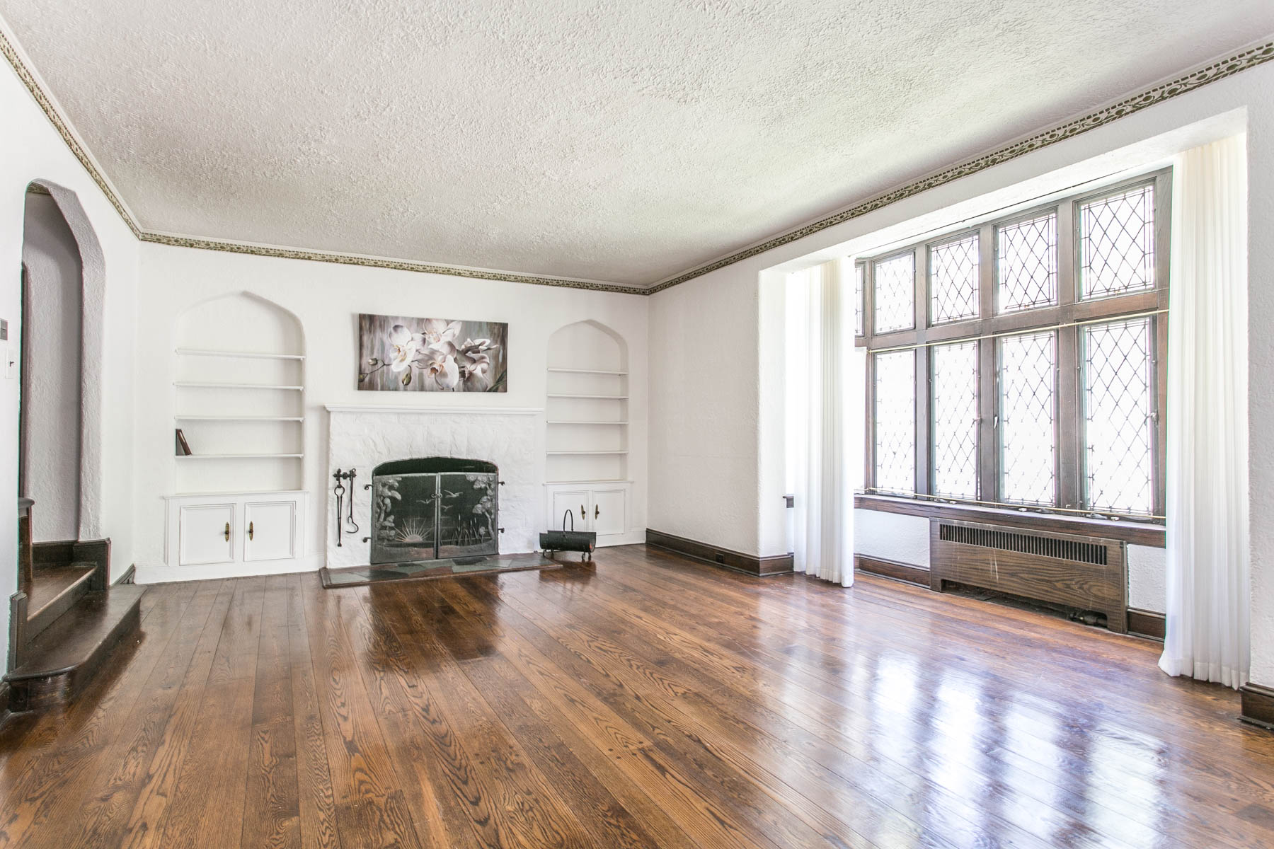 "Additional photo for property listing at ""GARDENS TREASURE"" 97 Groton Street, Forest Hills Gardens, Forest Hills, 紐約州 11375 美國"