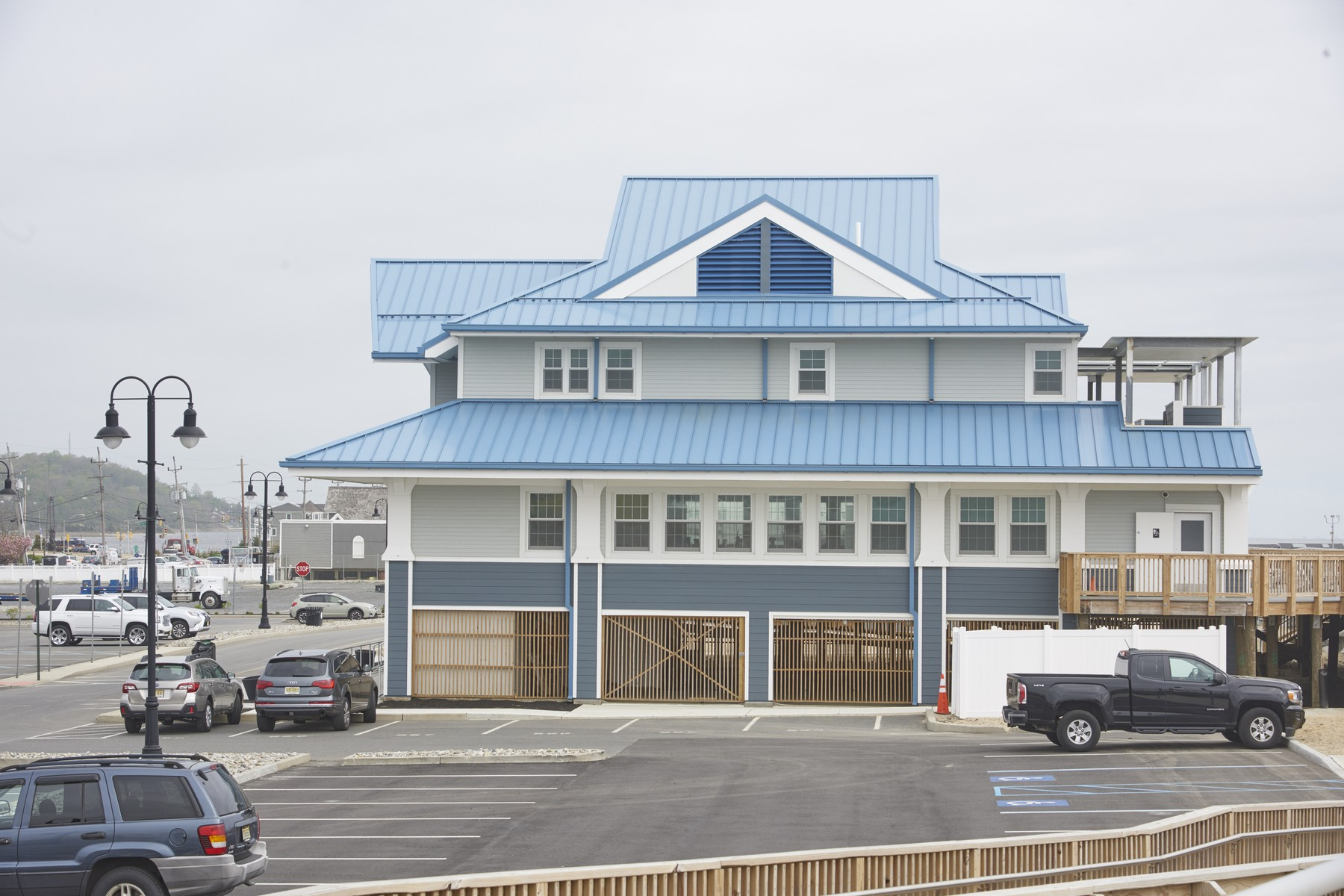 Additional photo for property listing at Live in Casual Elegance Oceanside 8 E Church St Sea Bright, New Jersey 07760 United States