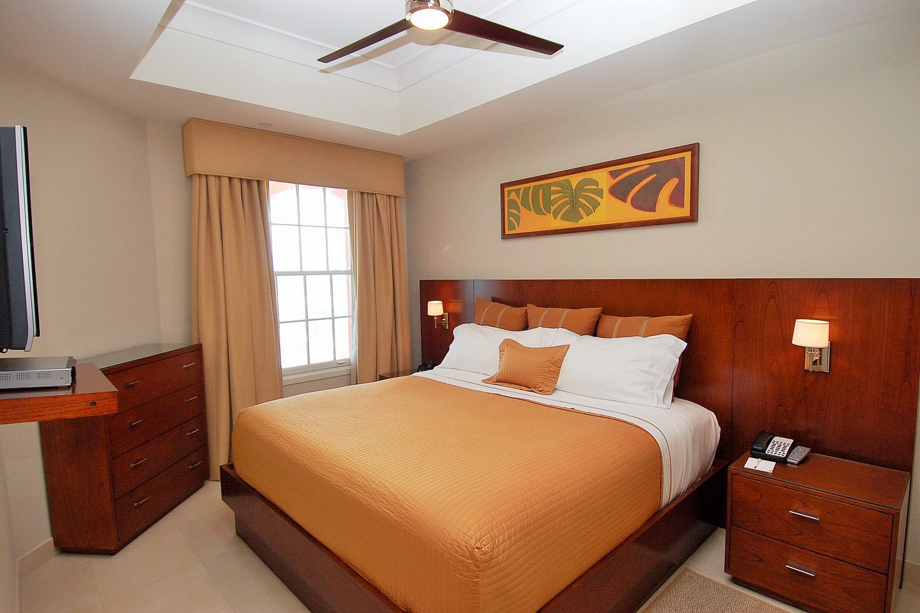 Additional photo for property listing at Blue Haven Resort - Suite 405.06 Beachfront Leeward, 普罗维登夏 TKCA 1ZZ 特克斯和凯科斯群岛