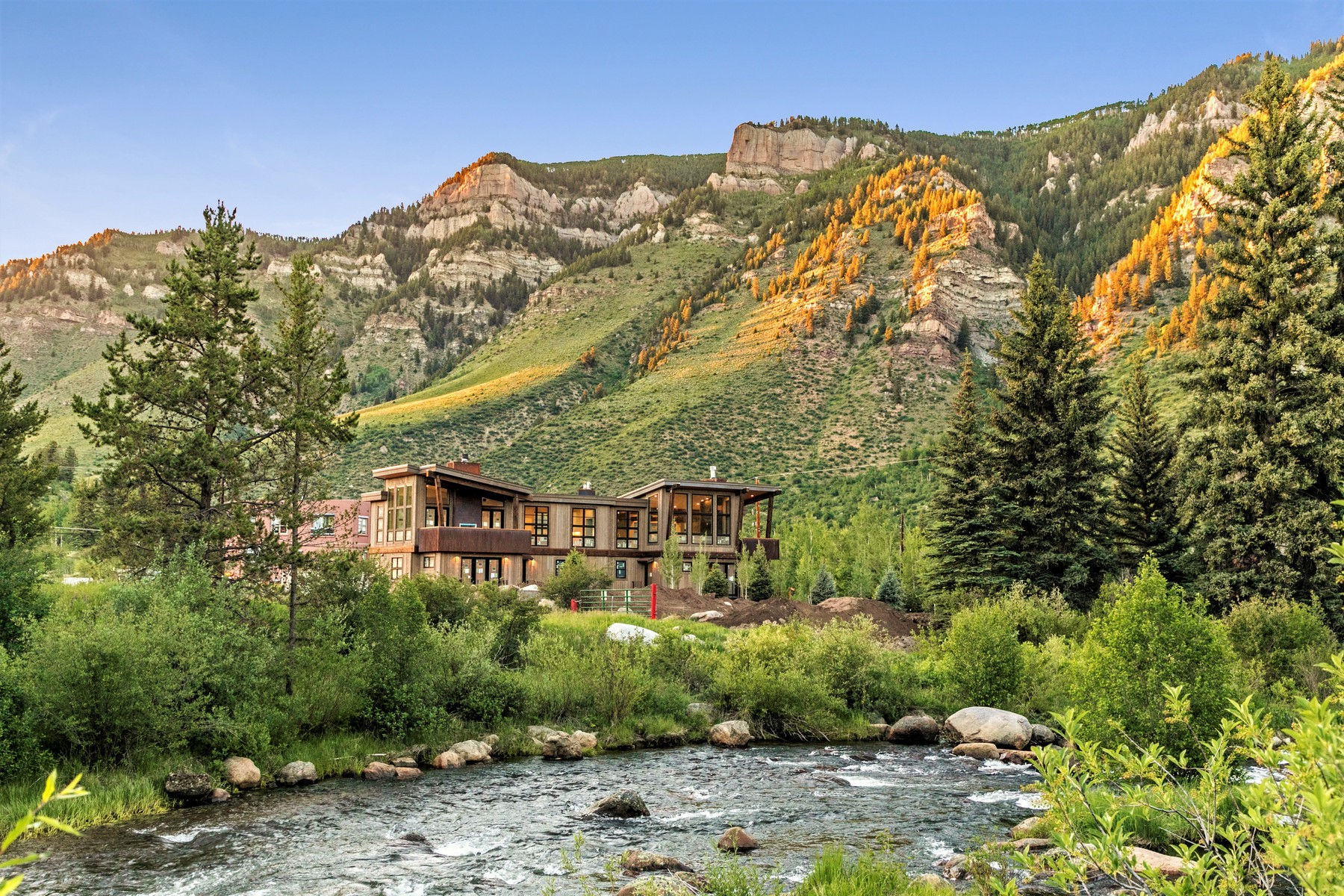 Property for Active at Ultimate mountain modern getaway on the southern edge of Minturn 1015 Two Elk Lane Minturn, Colorado 81645 United States
