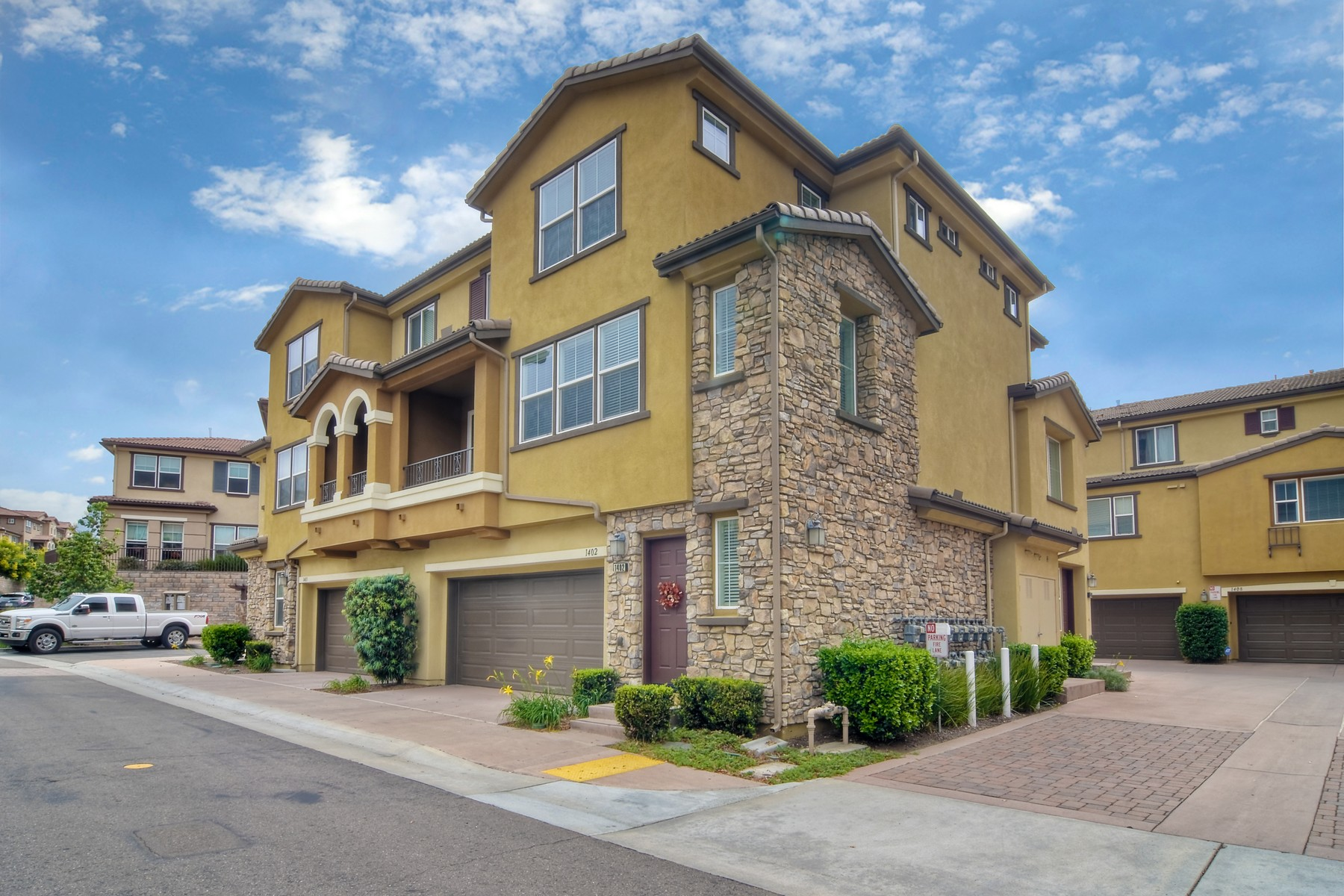 townhouses for Sale at 1402 Calabria St Santee, California 92071 United States