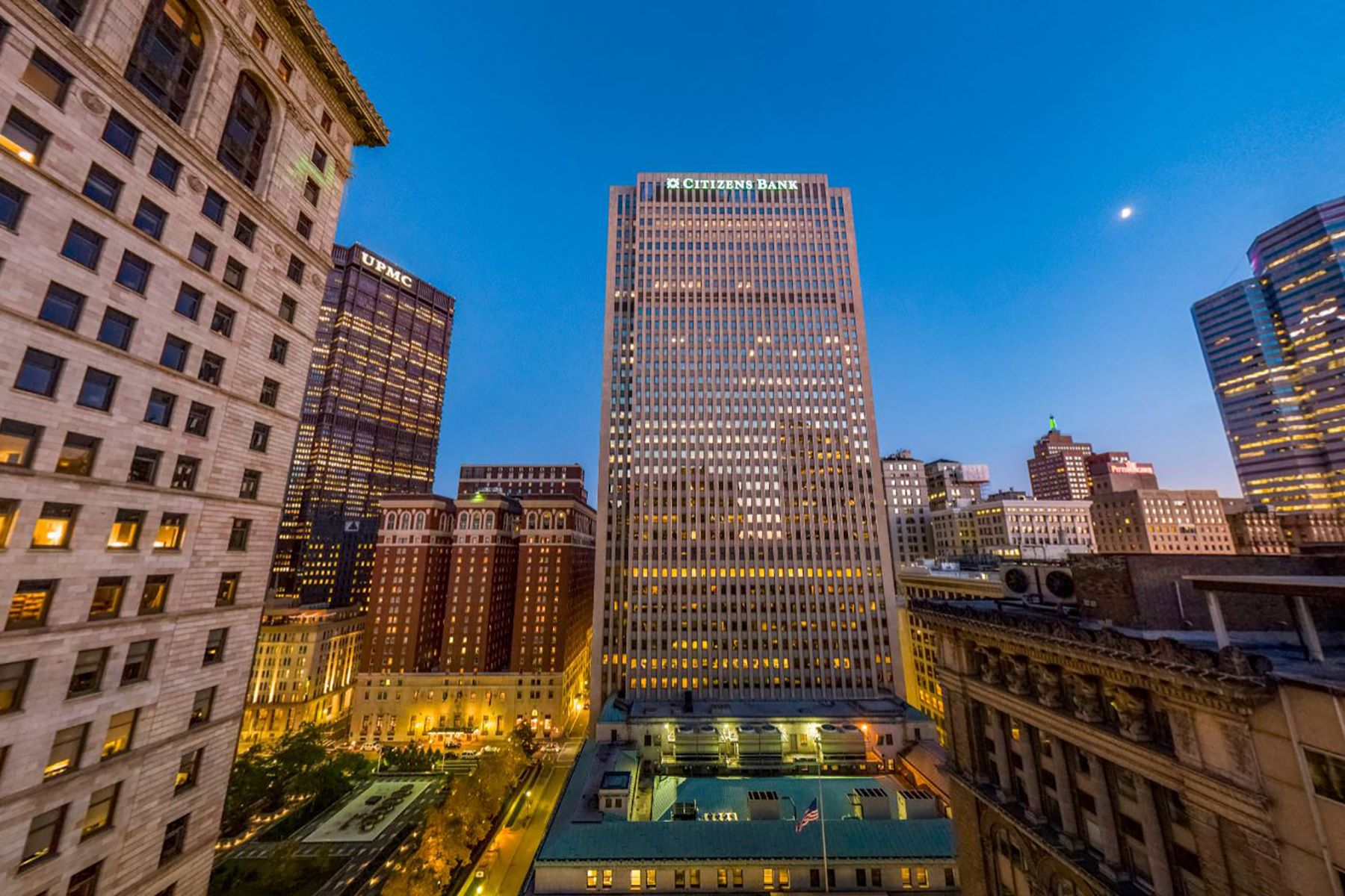 Additional photo for property listing at The Vega Residence at Lumiére 350 Oliver Avenue #809 Pittsburgh, Pennsylvania 15222 United States