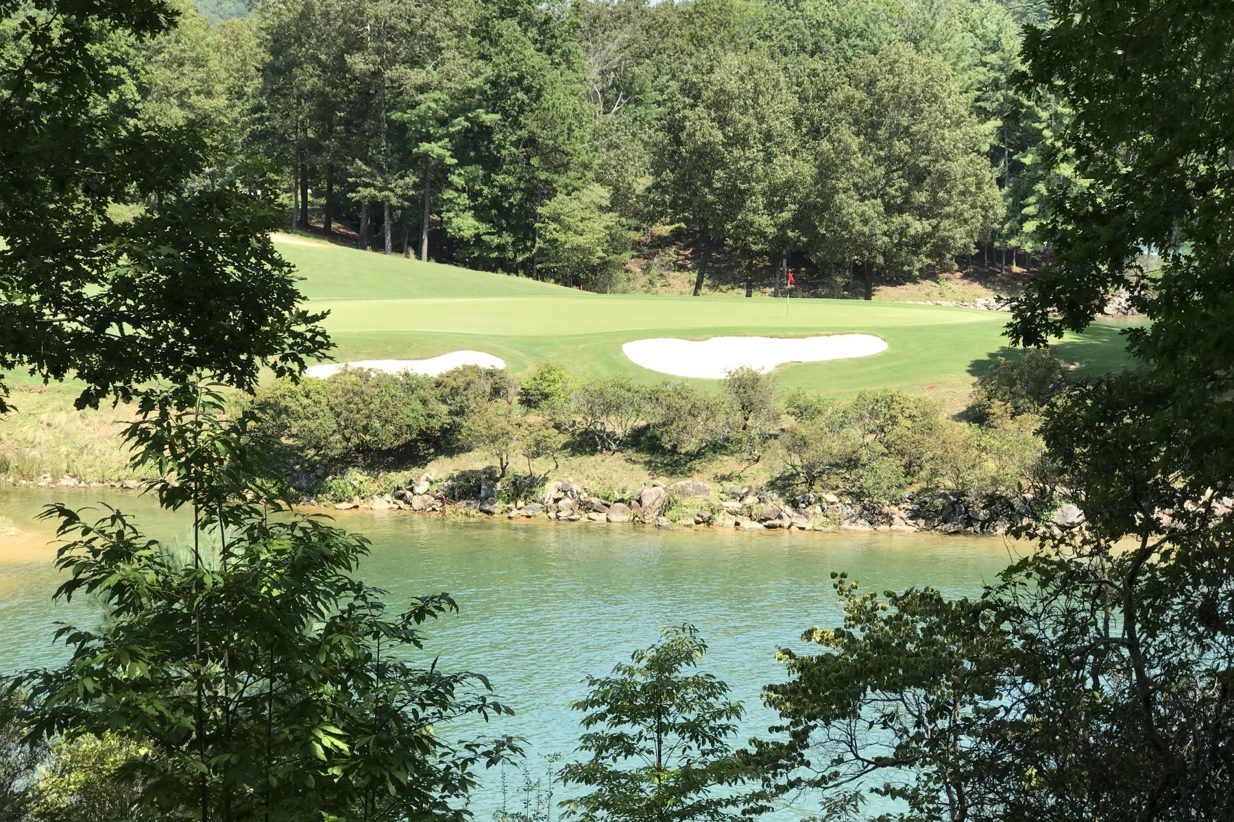 土地,用地 为 销售 在 Waterfront Homesite with Golf & State Park Views S55, The Cliffs At Keowee Vineyards, Sunset, 南卡罗来纳州, 29685 美国