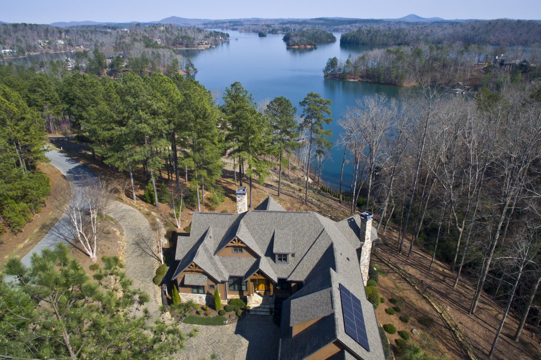 Single Family Homes للـ Sale في Waterfront Estate 411 Evergreen Trail + lots EB51 & 53, Salem, South Carolina 29676 United States