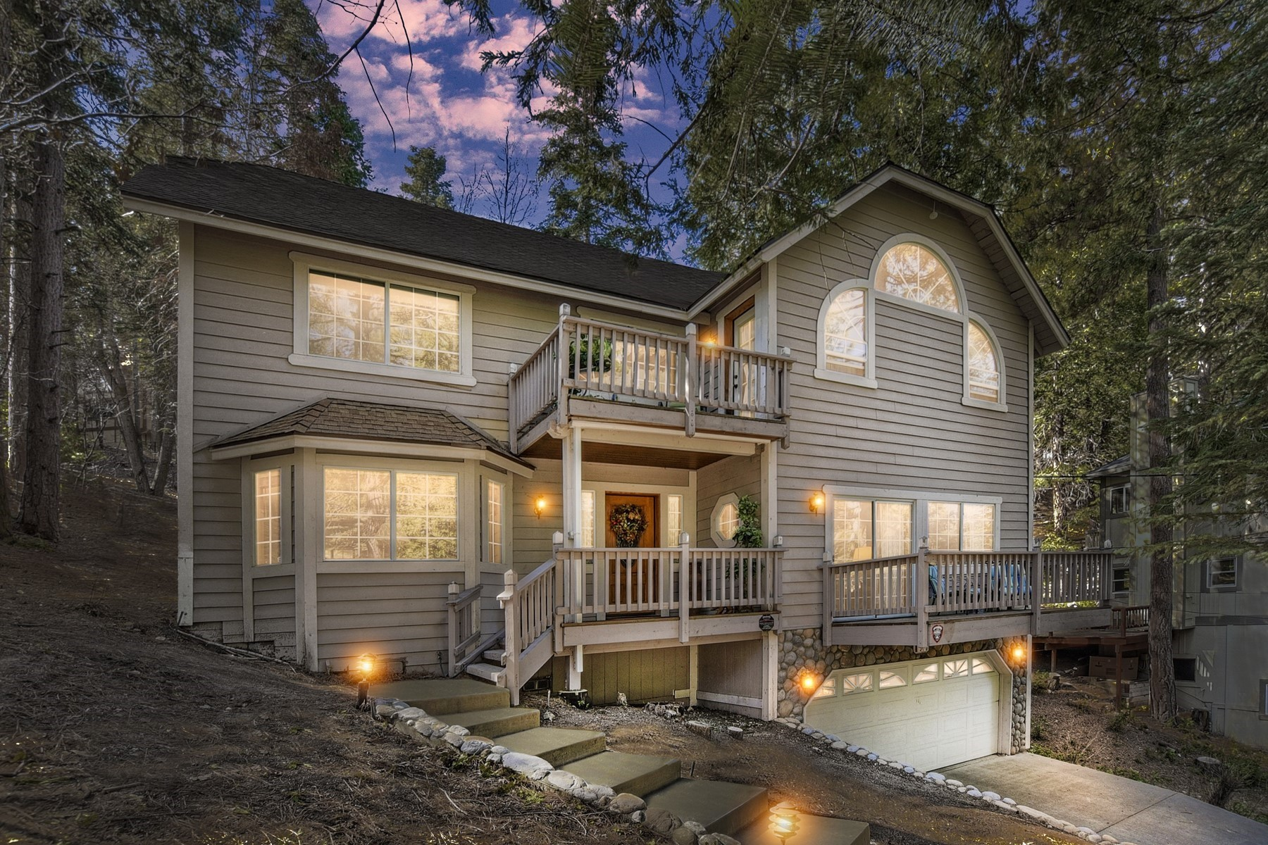 Single Family Homes for Active at 370 Bel Air Drive, Lake Arrowhead CA, 92325 370 Bel Air Drive Lake Arrowhead, California 92325 United States