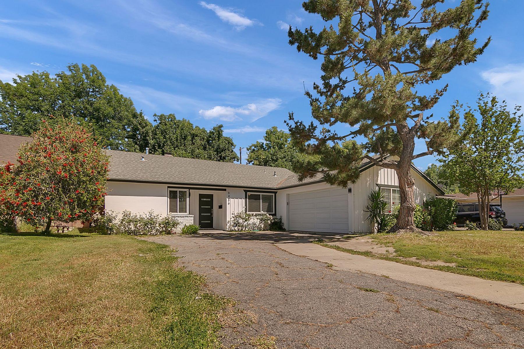 Single Family Homes for Active at 6456 Aldea Avenue Lake Balboa, California 91406 United States