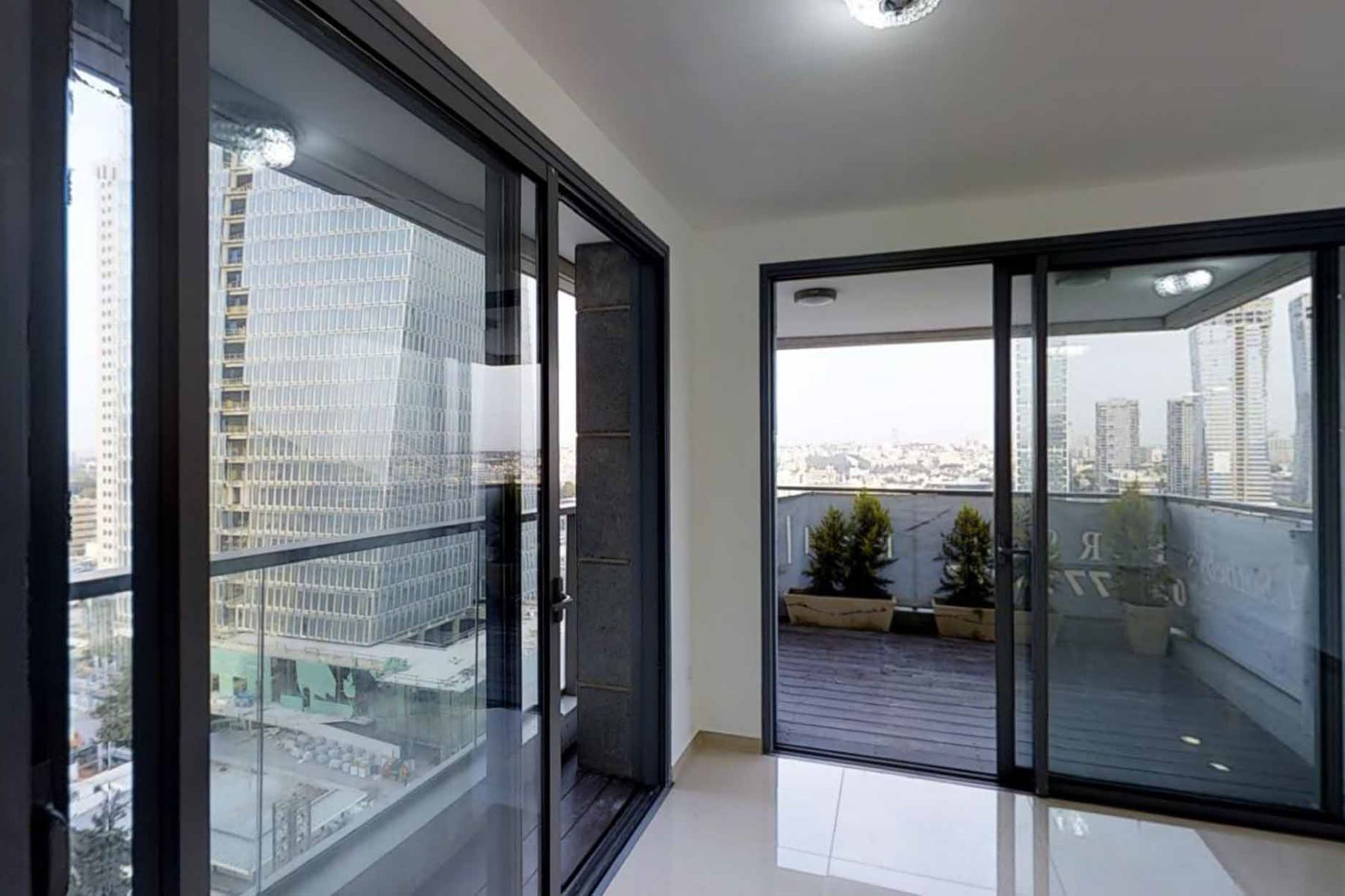 Additional photo for property listing at Exquisite Apartment in 'Sarona Gardens' Residential Complex Tel Aviv, Israel Israel