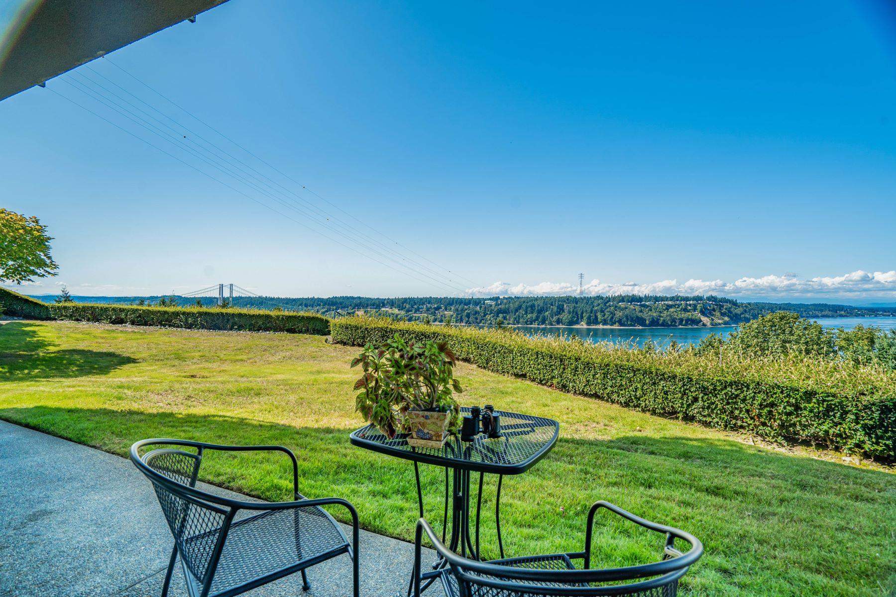 Condominiums por un Venta en GoldCreek213.com 3016 N Narrows Drive Tacoma, Washington 98407 Estados Unidos