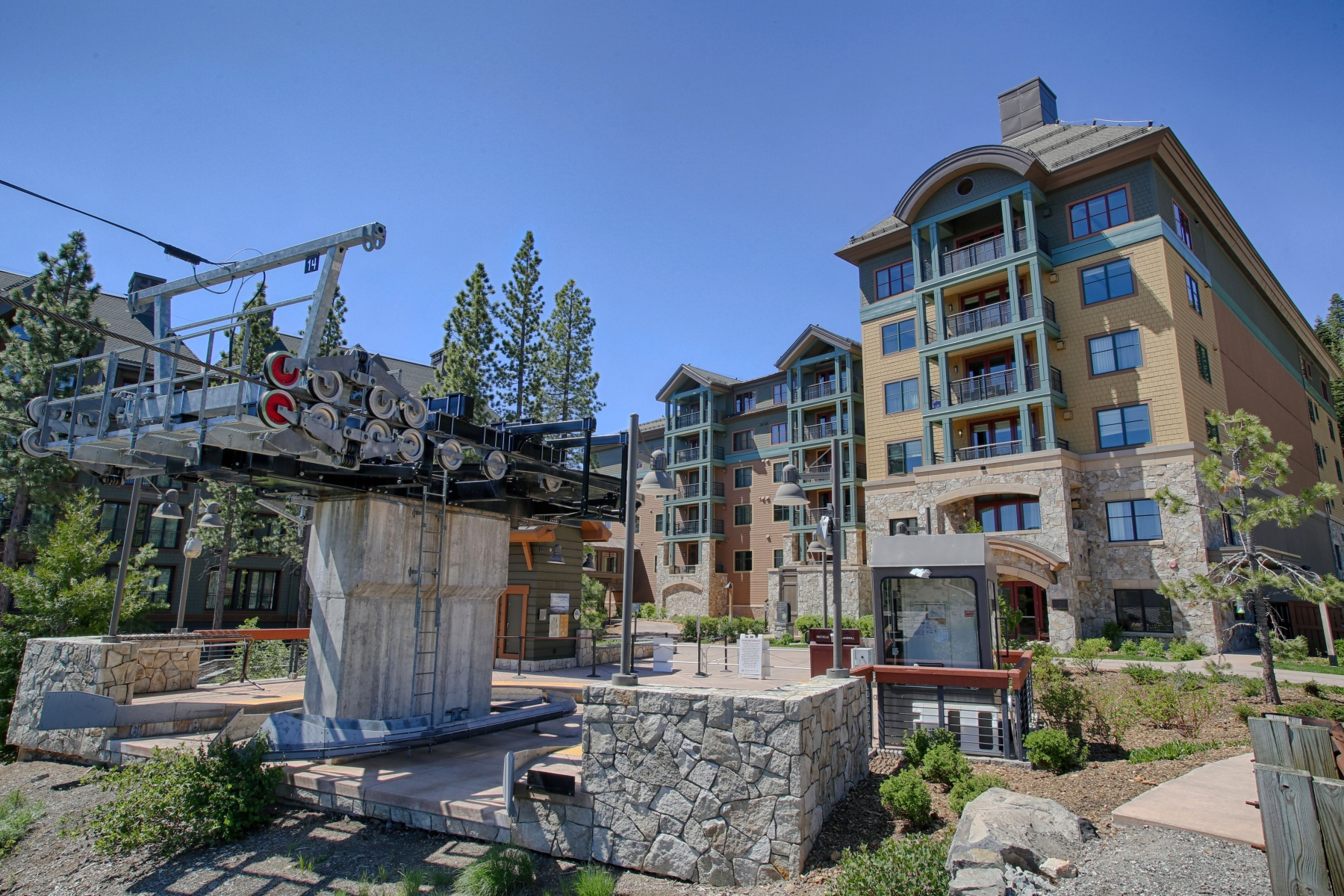 Condominium for Active at 13051 Ritz Carlton #4205, Truckee, CA 13051 Ritz Carlton #4205 Truckee, California 96161 United States