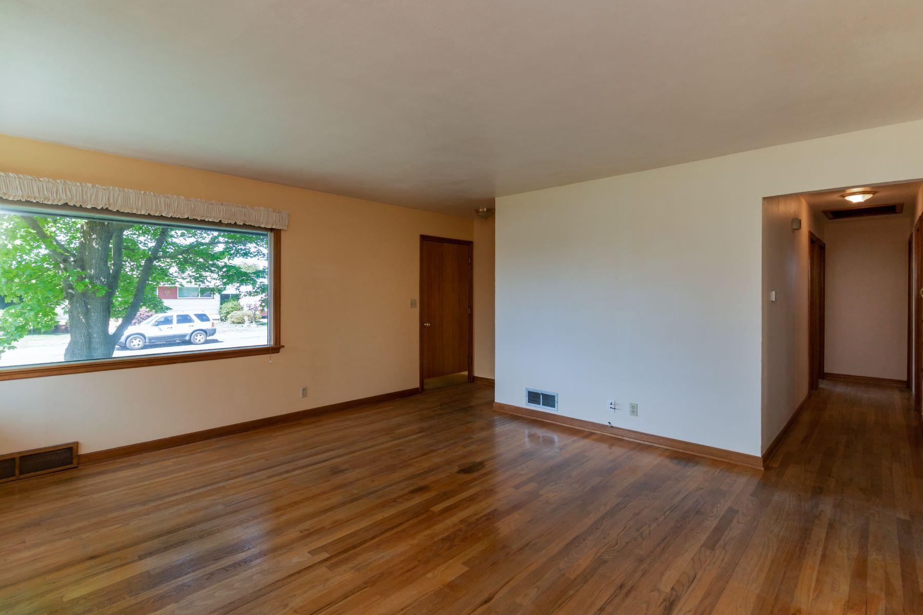 Single Family Homes vì Bán tại Darling Bungalow 112 Francis Dr, Walla Walla, Washington 99362 Hoa Kỳ