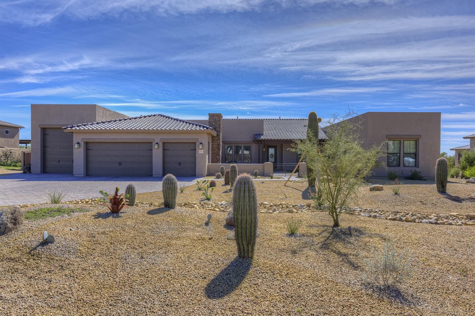 Nhà ở một gia đình vì Bán tại Ideal North Scottsdale living on a gated cul-de-sac with incredible views 6547 E Monterra Way Scottsdale, Arizona, 85266 Hoa Kỳ