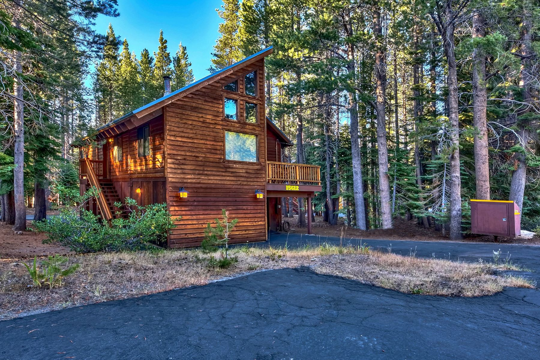Single Family Homes por un Venta en 15612 Northwoods Blvd, Truckee, CA 96161 15612 Northwoods Blvd. Truckee, California 96161 Estados Unidos