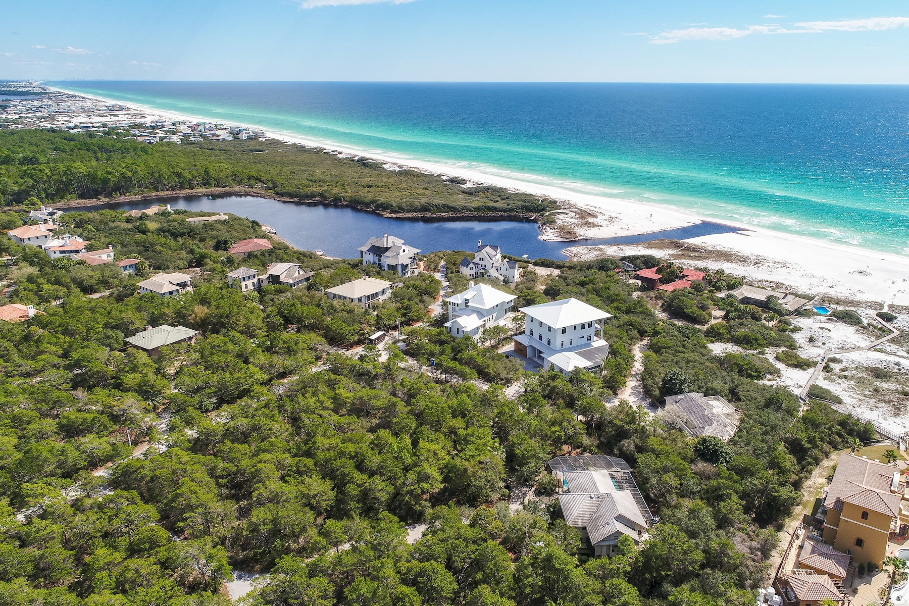 واحد منزل الأسرة للـ Sale في Coastal Retreat in Exclusive Gated Community 40 Whispering Wind Way, Santa Rosa Beach, Florida, 32459 United States