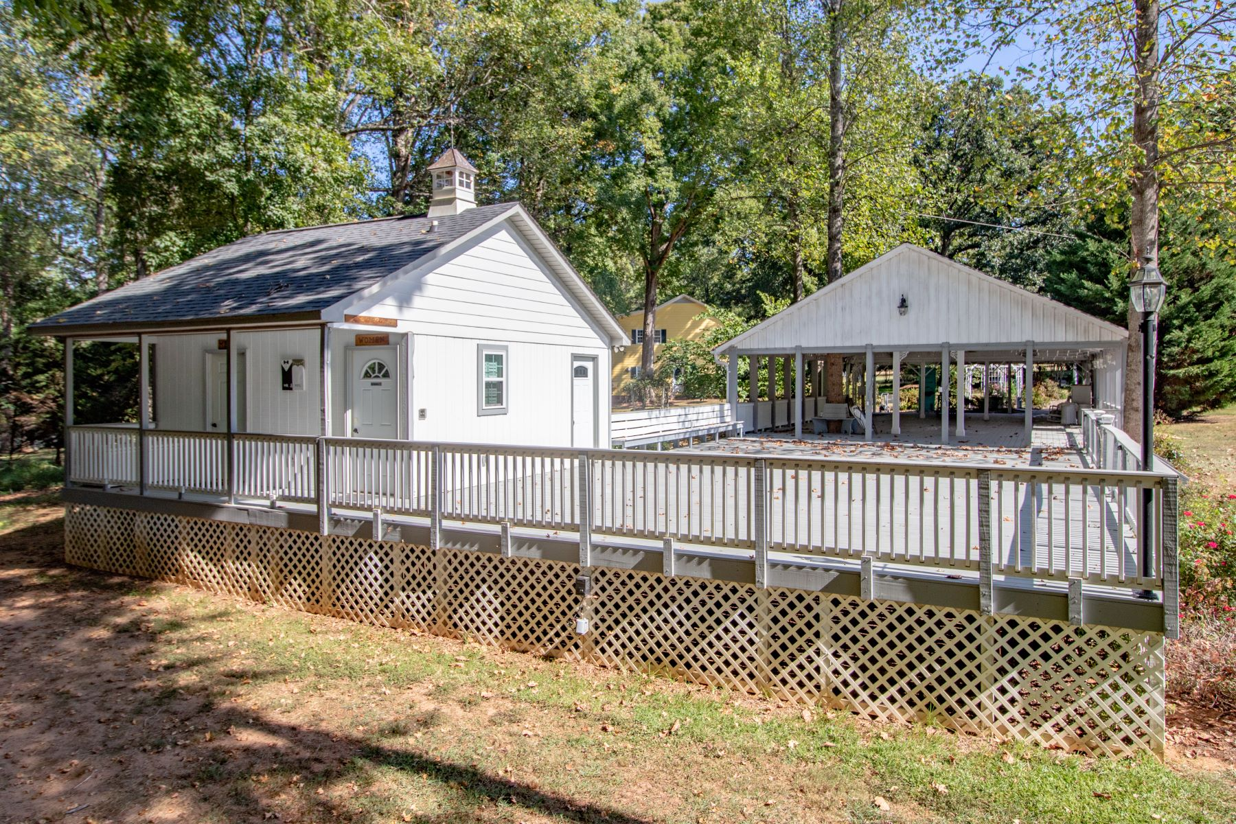 Additional photo for property listing at One-of-a-kind family compound on 20 acres. 4031 Pennington Road, Greer, Νότια Καρολίνα 29651 Ηνωμένες Πολιτείες