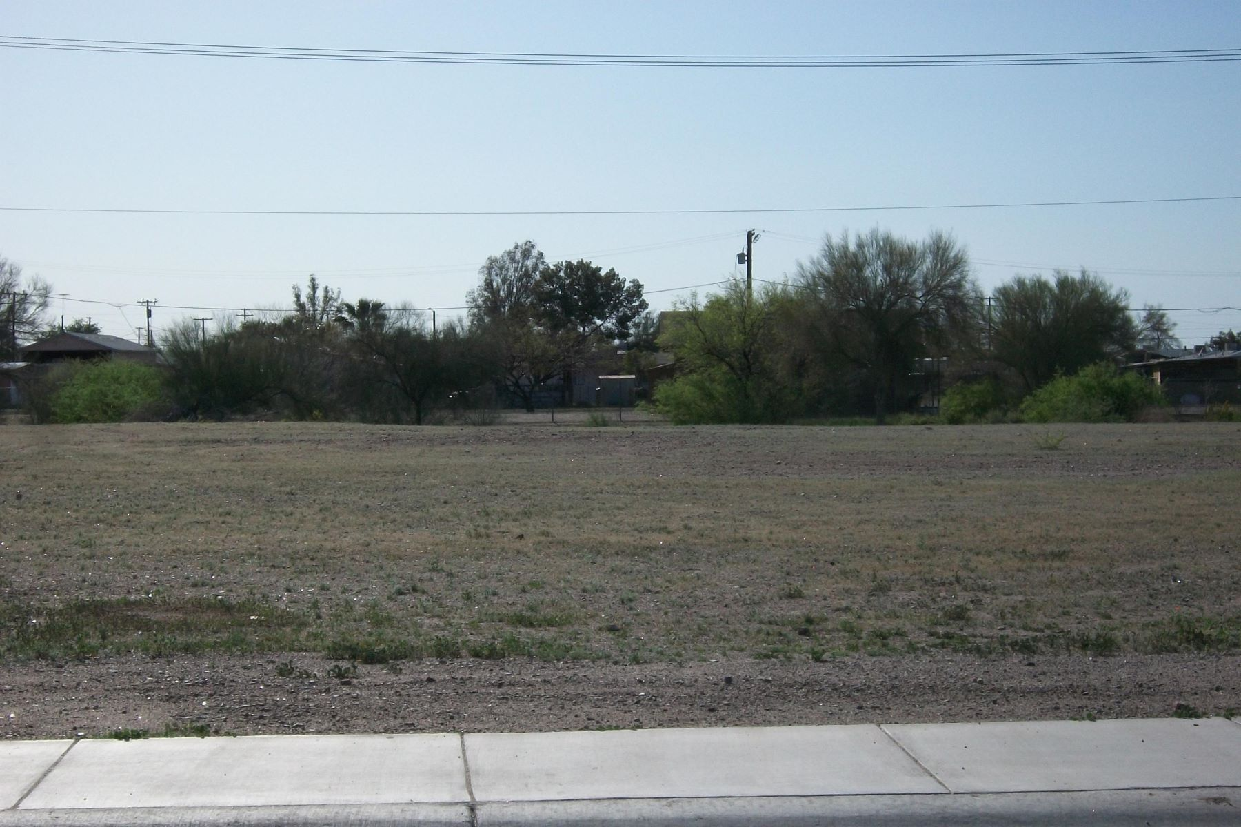 Land for Active at Excellent lot in Gila Bend 516 N Scott Ave 4 Gila Bend, Arizona 85337 United States