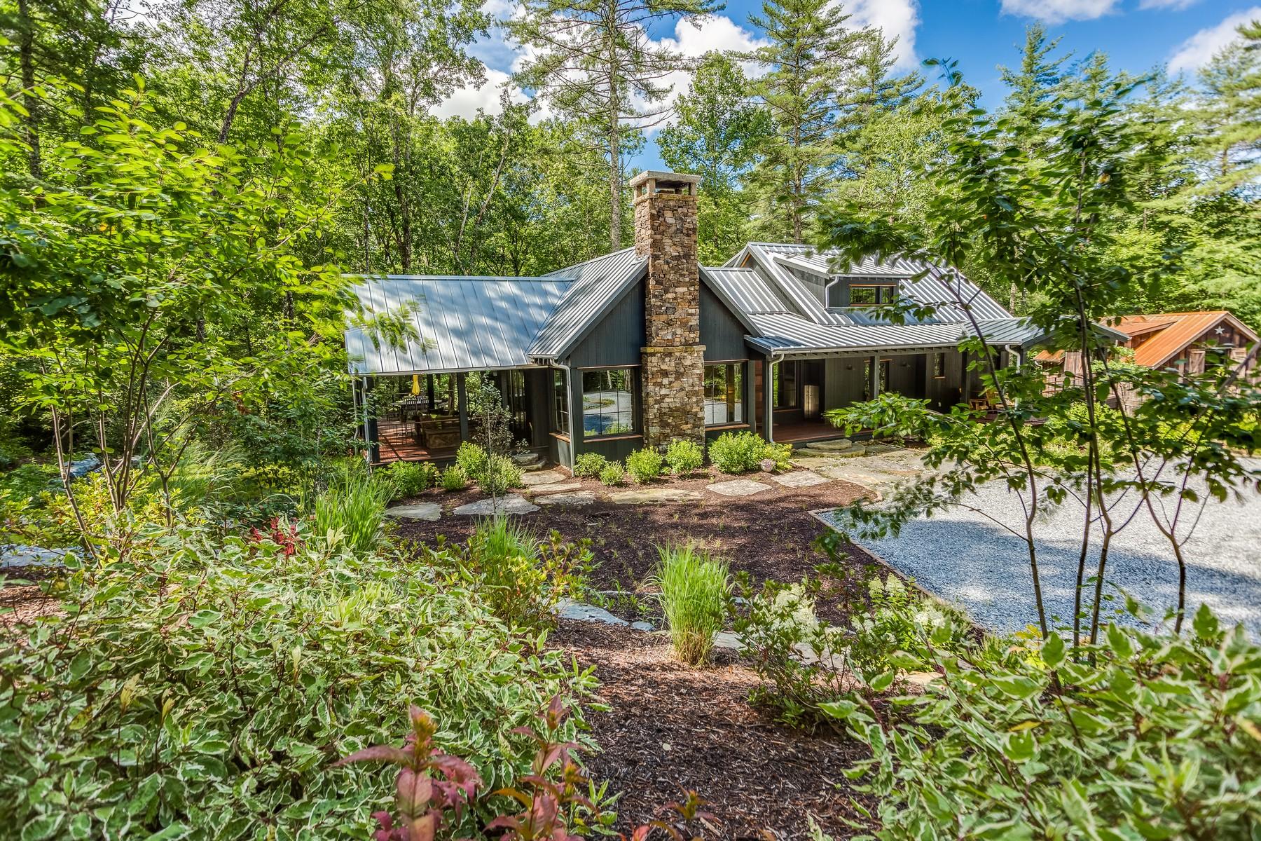 Single Family Homes por un Venta en Sapphire, Carolina Del Norte 28774 Estados Unidos