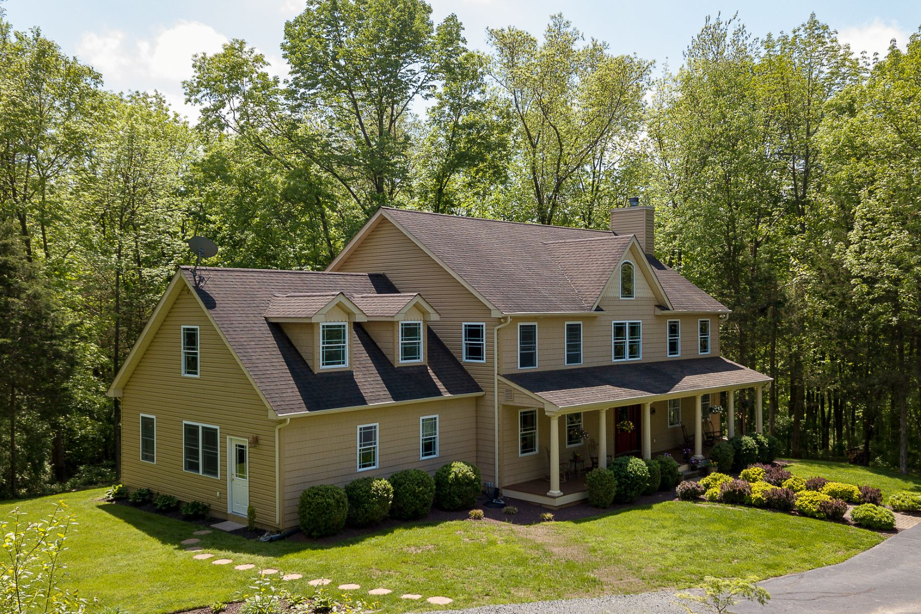 Additional photo for property listing at A Builder's Own Home, Surrounded By Nature 23 Lake Drive, Lambertville, New Jersey 08530 United States