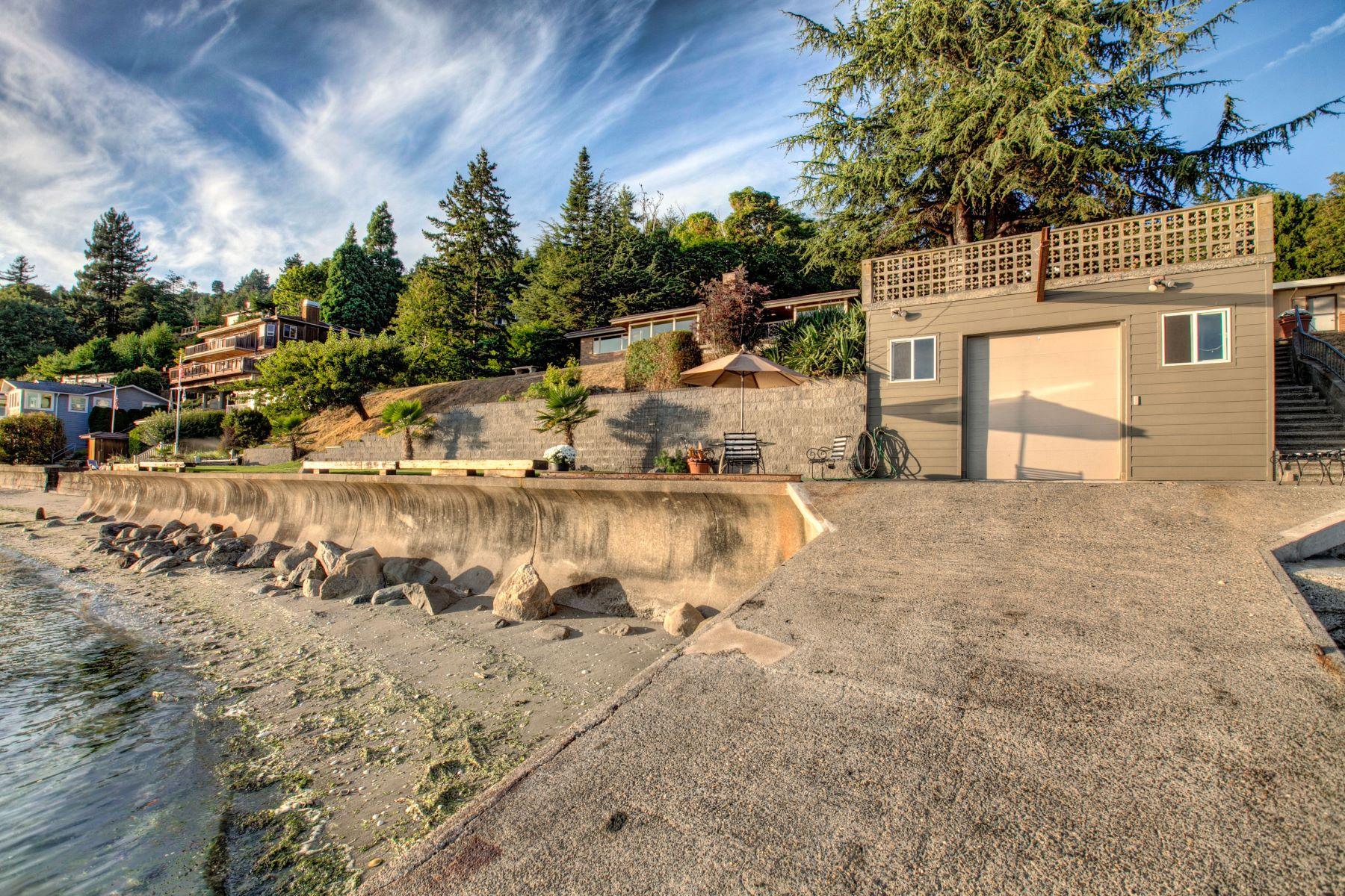 Moradia para Venda às Spawling Rambler On The Water 2155-21xx SW 173rd Place Burien, Washington 98166 Estados Unidos
