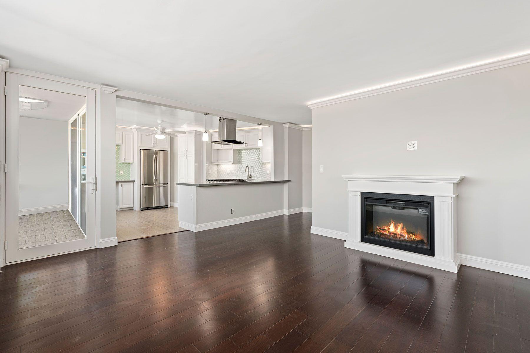 Condominium for Rent at 310 Fernando 310 Fernando APT. 303, Newport Beach, California, 92661 United States