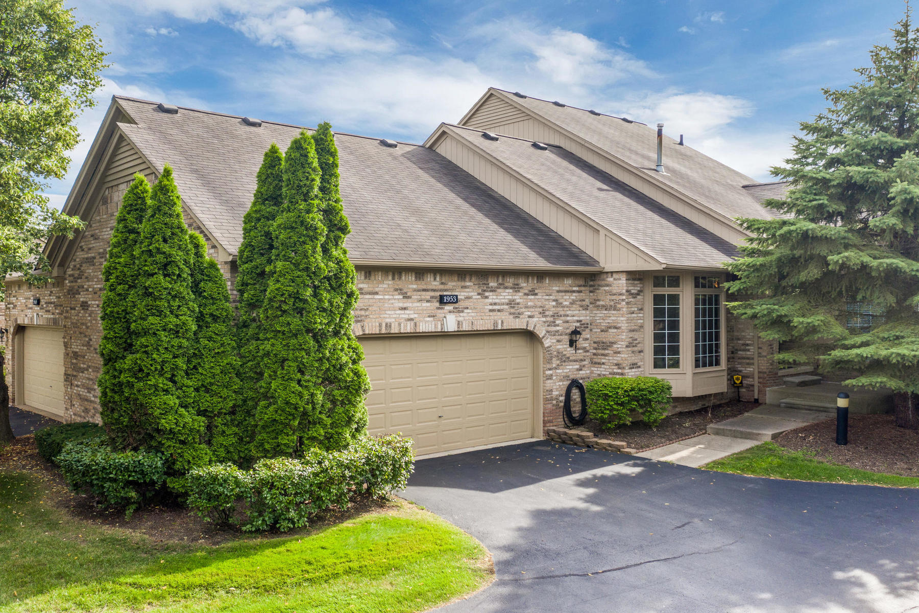 Condominiums for Sale at Shelby Township 1953 Clearwood Court Shelby Township, Michigan 48316 United States