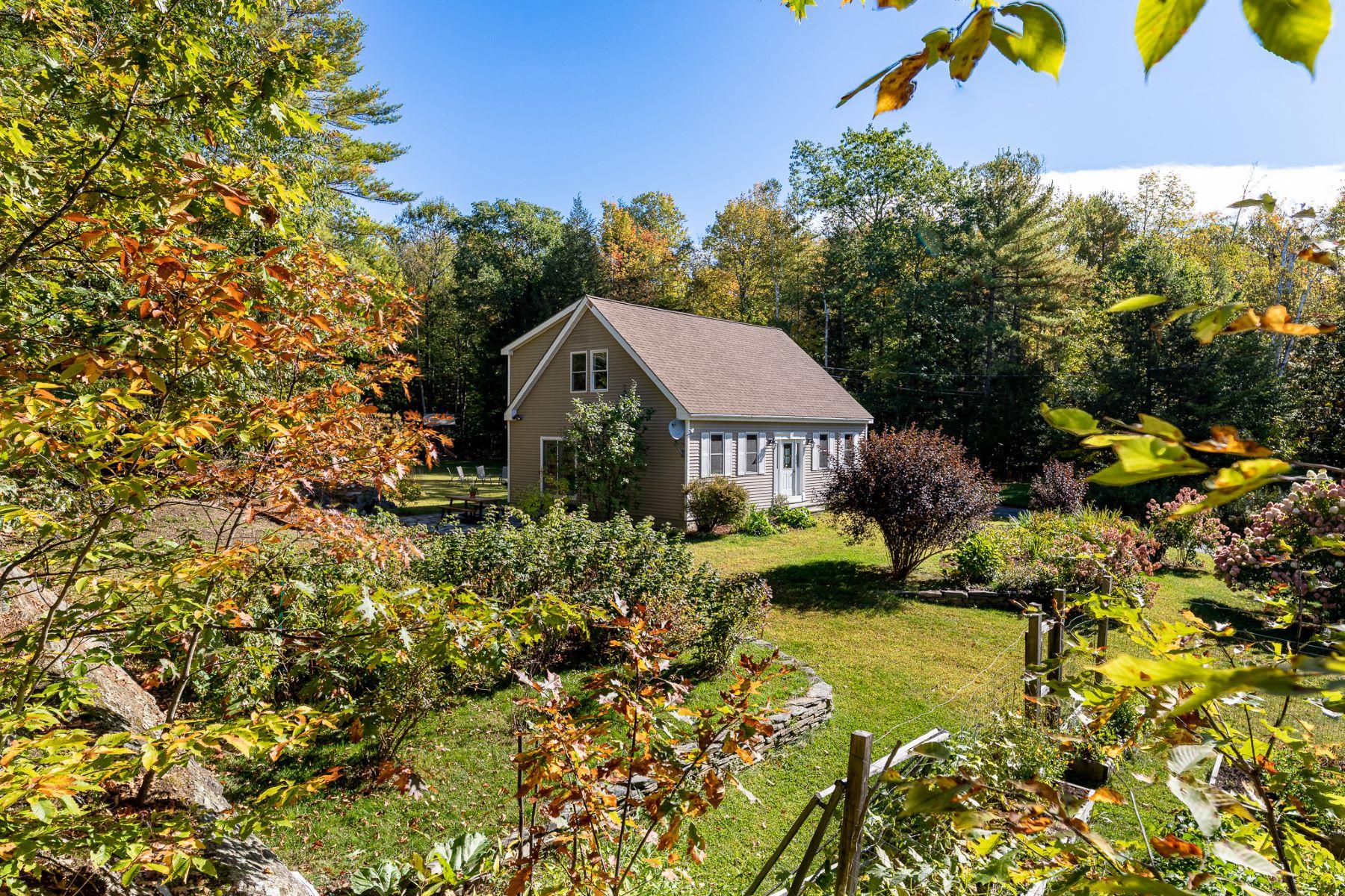 Single Family Homes for Sale at 158 Deer Run Lane, Thetford 158 Deer Run Ln Thetford, Vermont 05043 United States