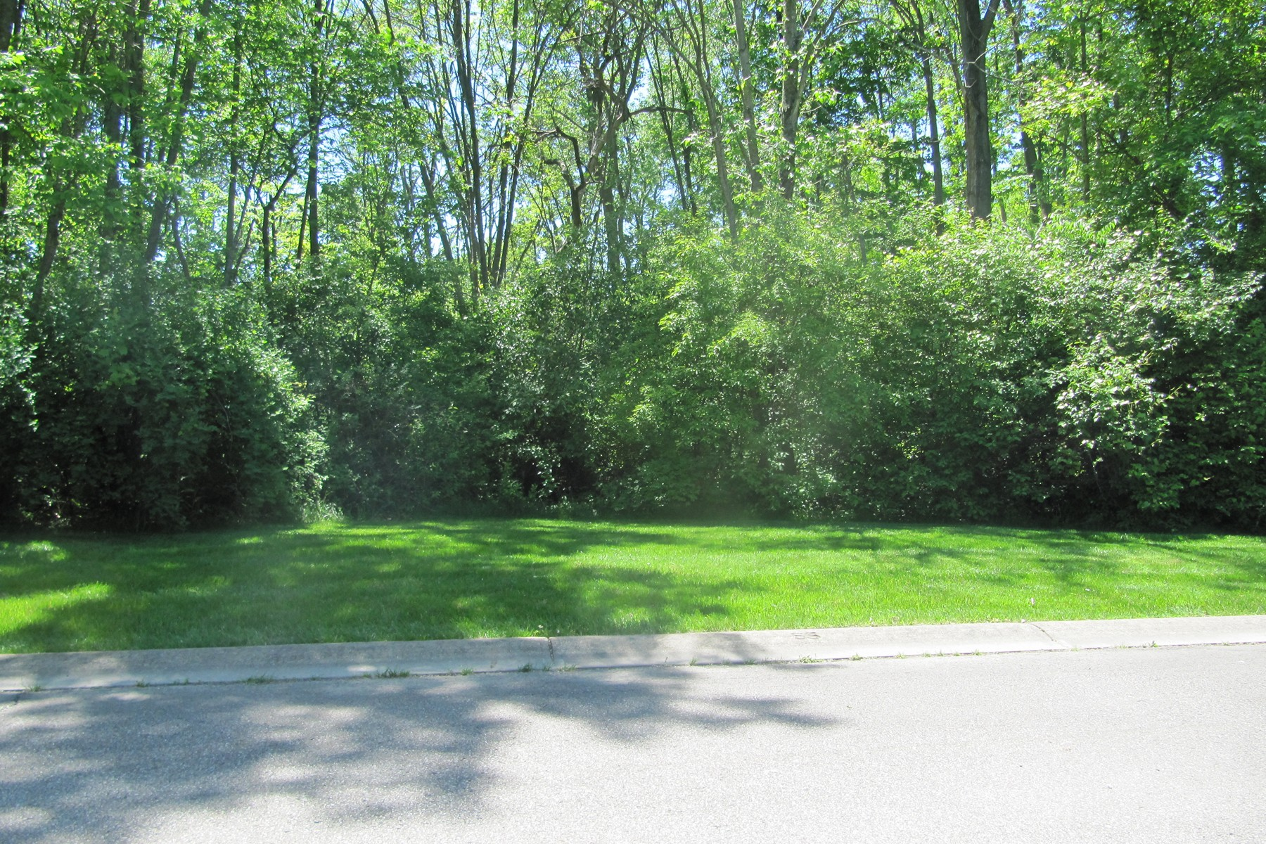 Additional photo for property listing at Willowood 9127 Willowrun Way Indianapolis, Indiana 46260 United States