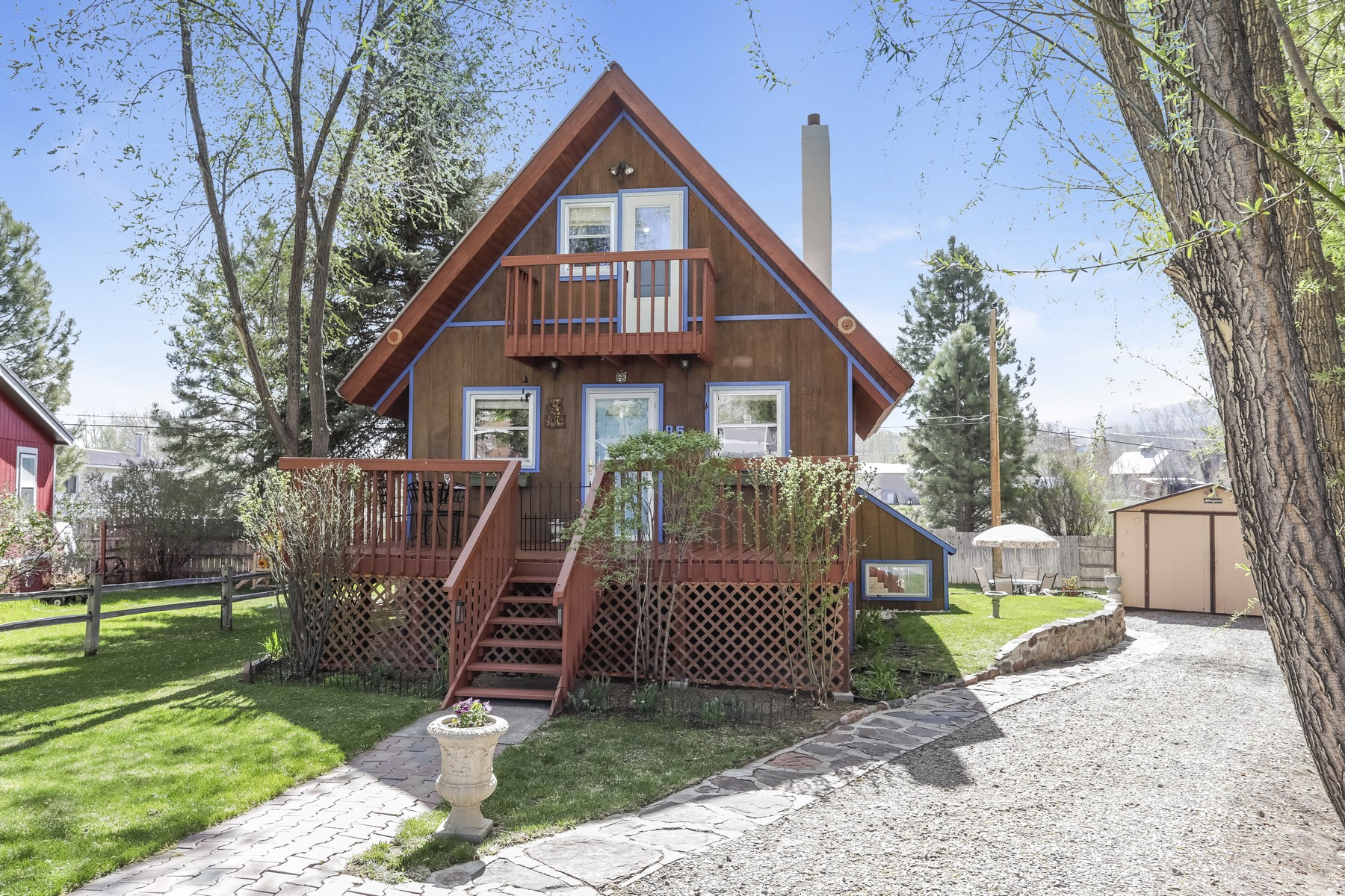 Single Family Homes for Sale at This delightful 4-bedroom single family residence 85 Rangeview Court Gypsum, Colorado 81637 United States