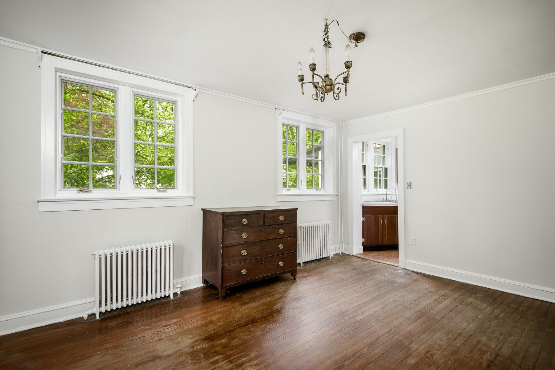 Additional photo for property listing at English Arts & Crafts Style and Charm in Lawrence 2913 Main Street, Lawrenceville, ニュージャージー 08648 アメリカ
