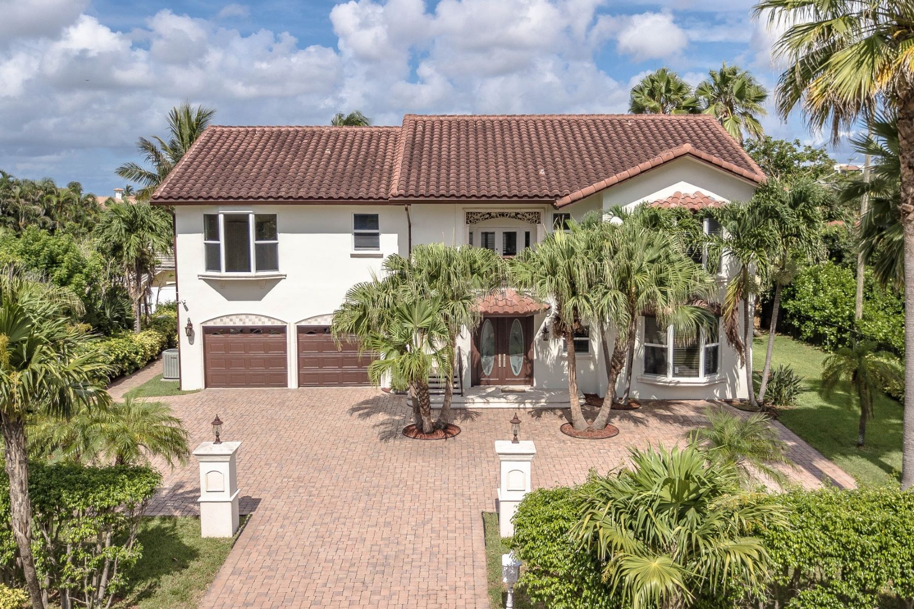 Single Family Home for Active at 4108 S Ocean Blvd , Highland Beach, FL 33487 4108 S Ocean Blvd Highland Beach, Florida 33487 United States