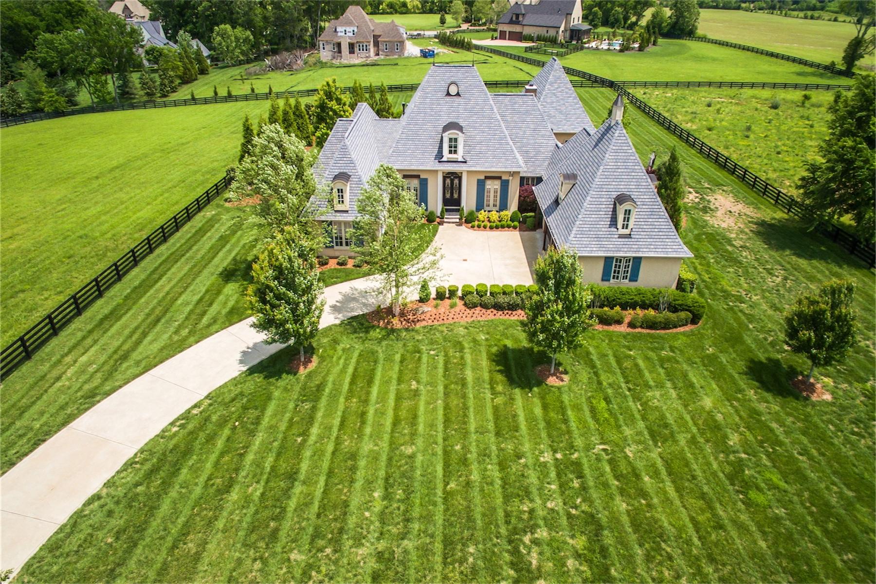 Casa Unifamiliar por un Venta en Picturesque French Country Masterpiece 5536 Hawks Landing Drive Arrington, Tennessee, 37014 Estados Unidos