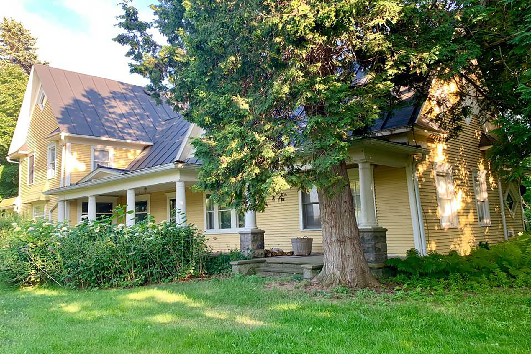 Single Family Homes for Active at Ingham Township 1905 E. Dexter Trail Dansville, Michigan 48819 United States