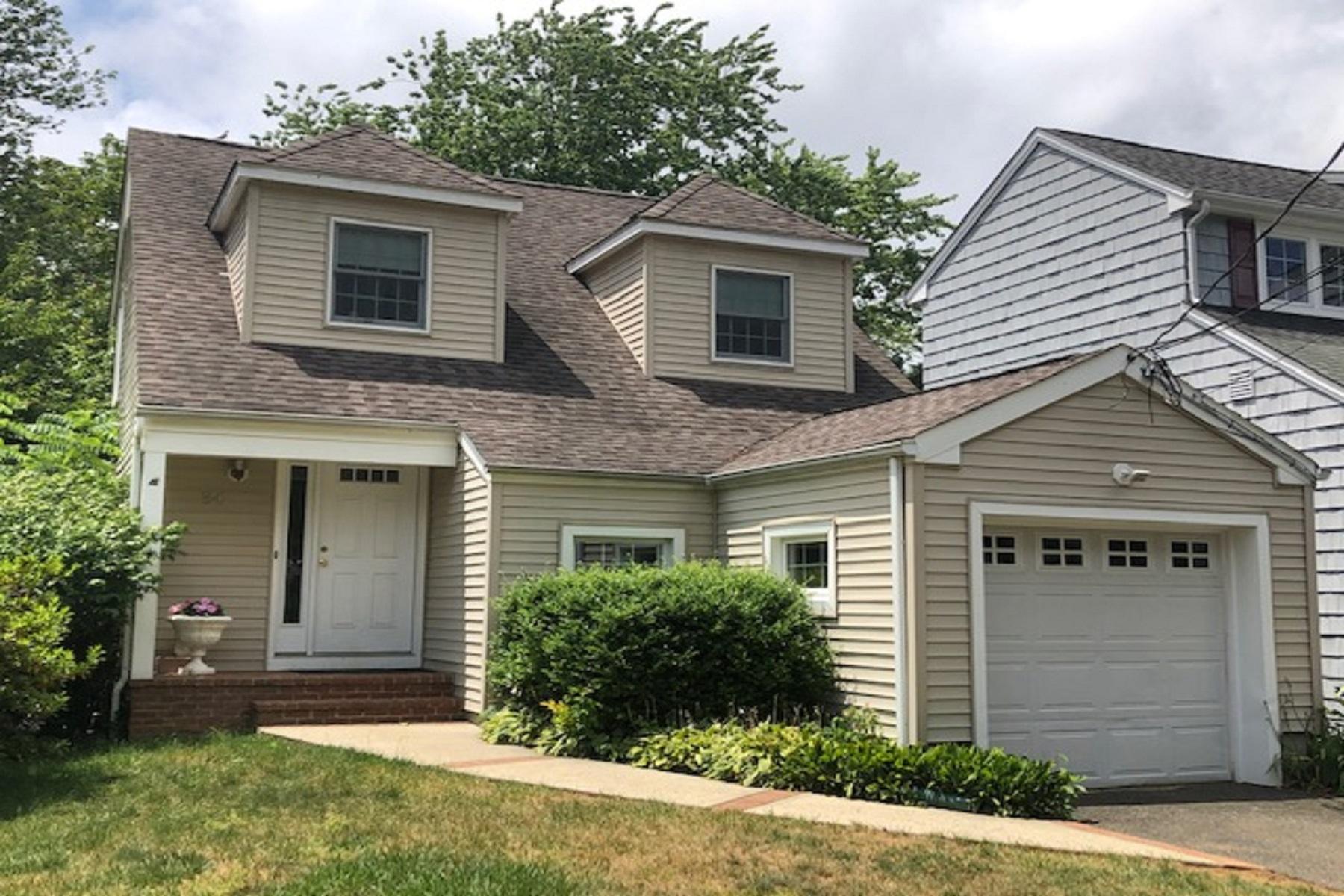 Single Family Homes 为 销售 在 小银镇, 新泽西州 07739 美国