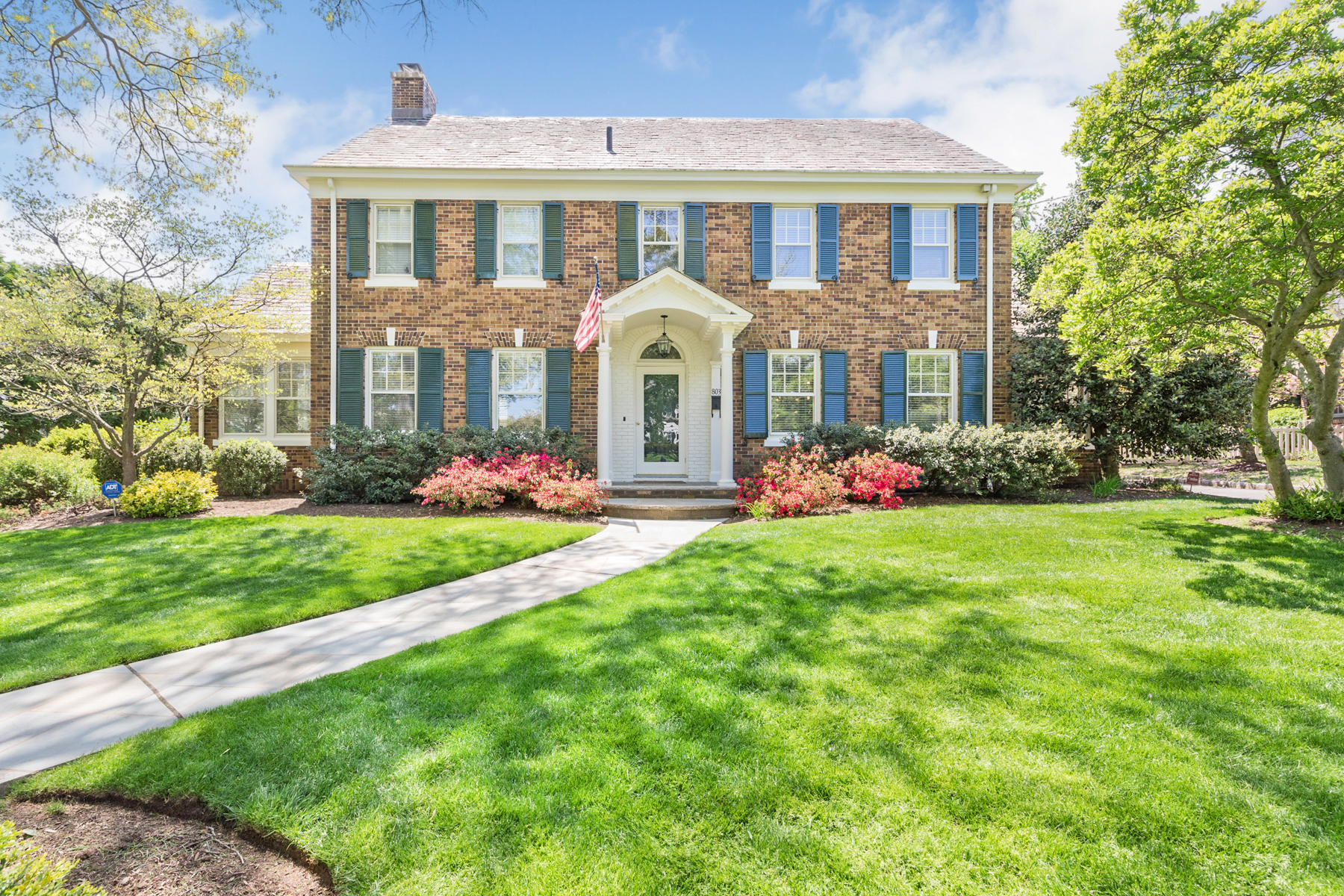 Single Family Homes for Sale at Gracious Colonial 803 Cedar Terrace Westfield, New Jersey 07090 United States