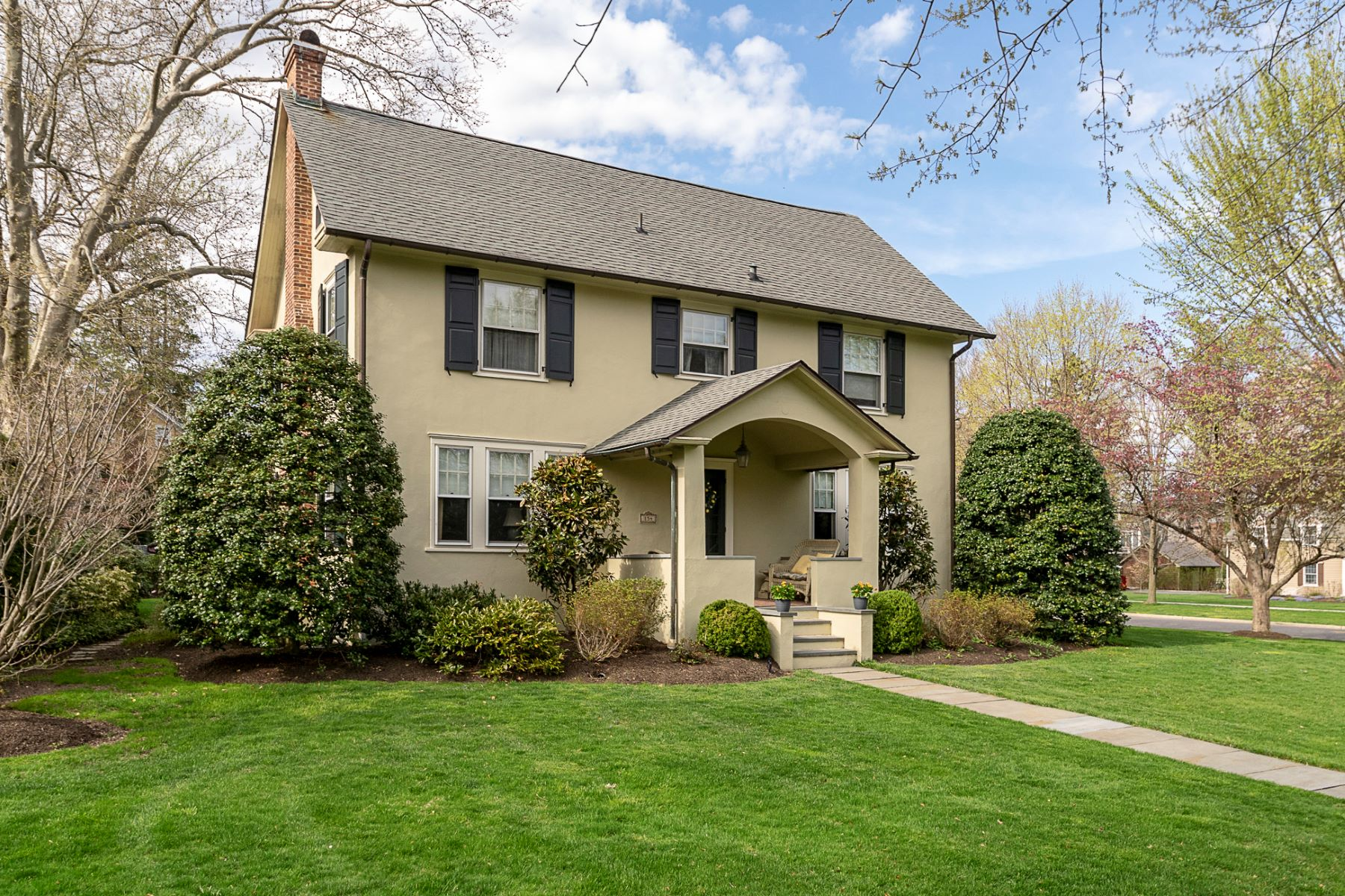 Single Family Home for Sale at Jugtown Home Does Not Skimp on Space or Style 154 Prospect Avenue, Princeton, New Jersey 08540 United StatesMunicipality: Princeton